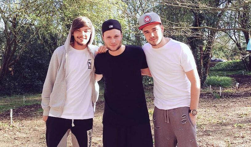 Louis-Tomlinson-and-Liam-Payne-with-songwriter-Jamie-Scott.jpg