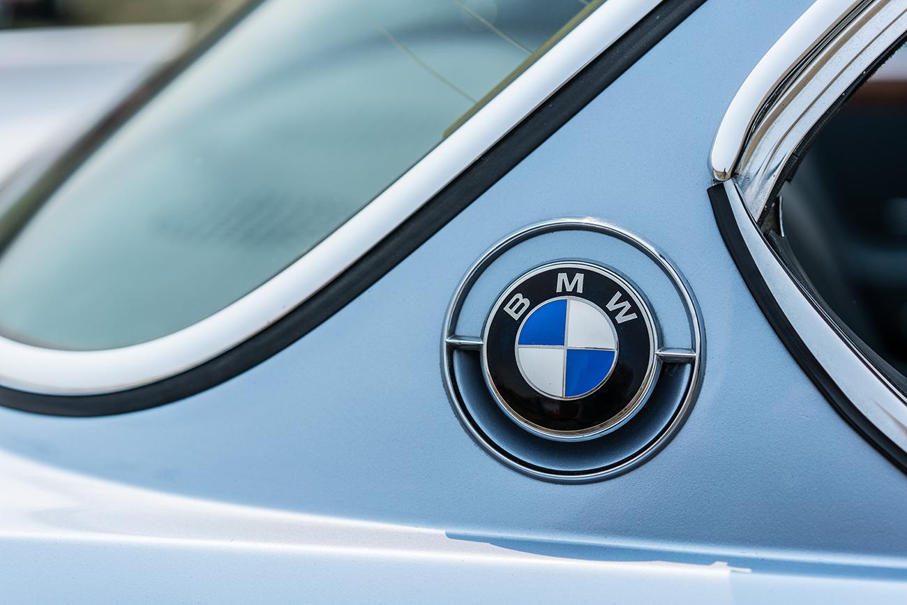 Monterey_Car_Week_Classic_BMW_Logo_Jordan_Reeder.jpg