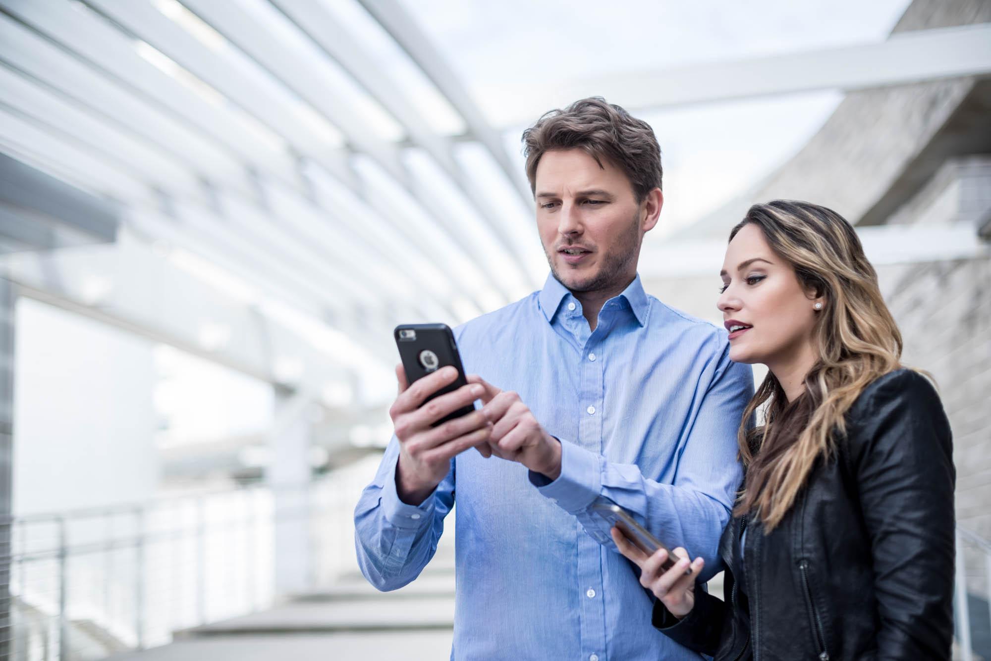 Couple-on-phones-Jordan-Reeder.jpg