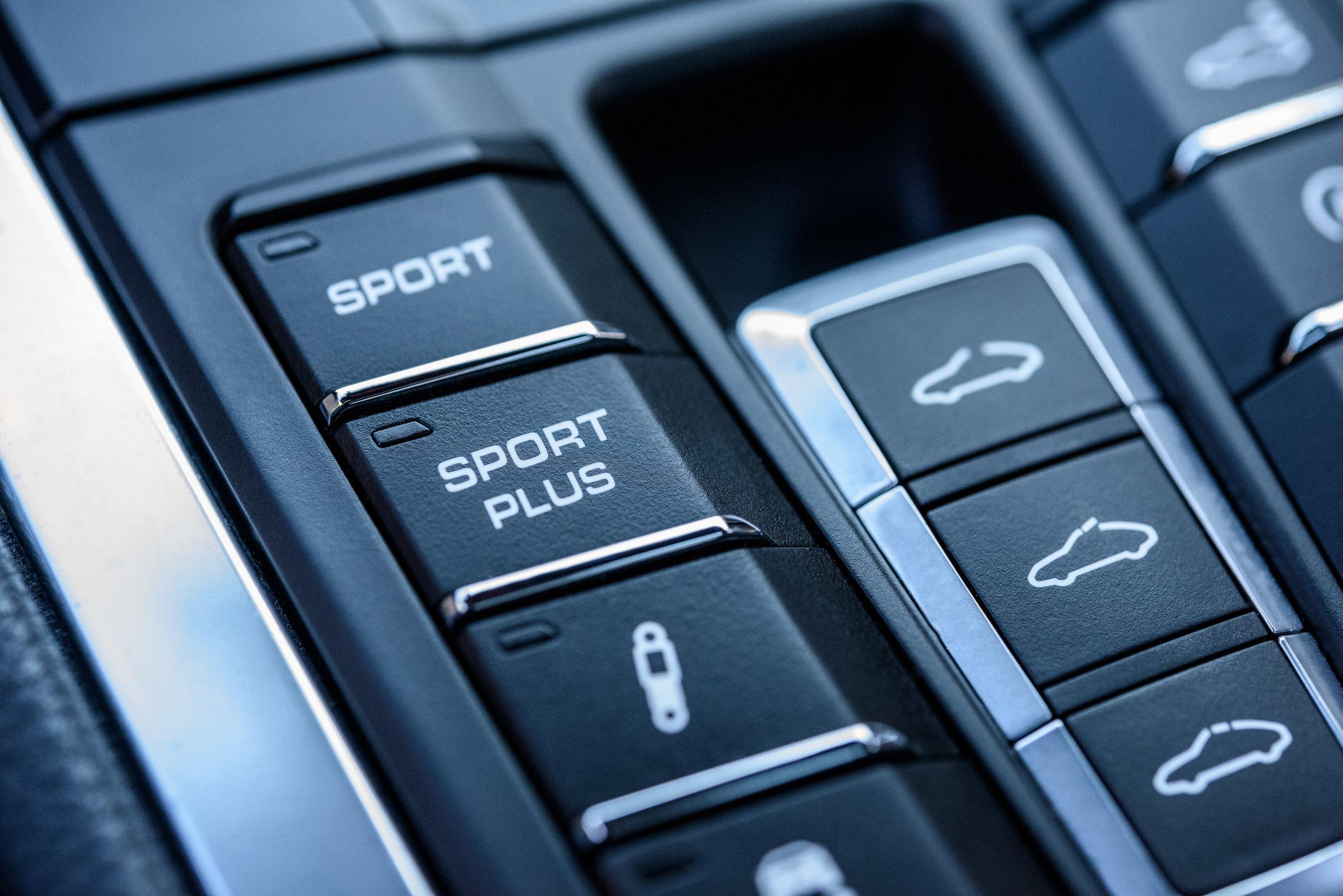 porsche 911 carrera s 2012 sport plus mode by Jordan Reeder