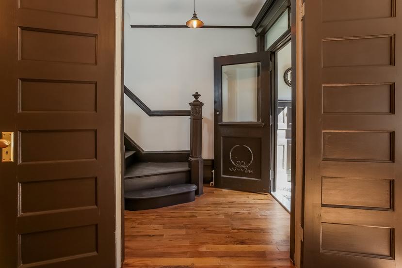 011-Foyer-2090244-small.jpg