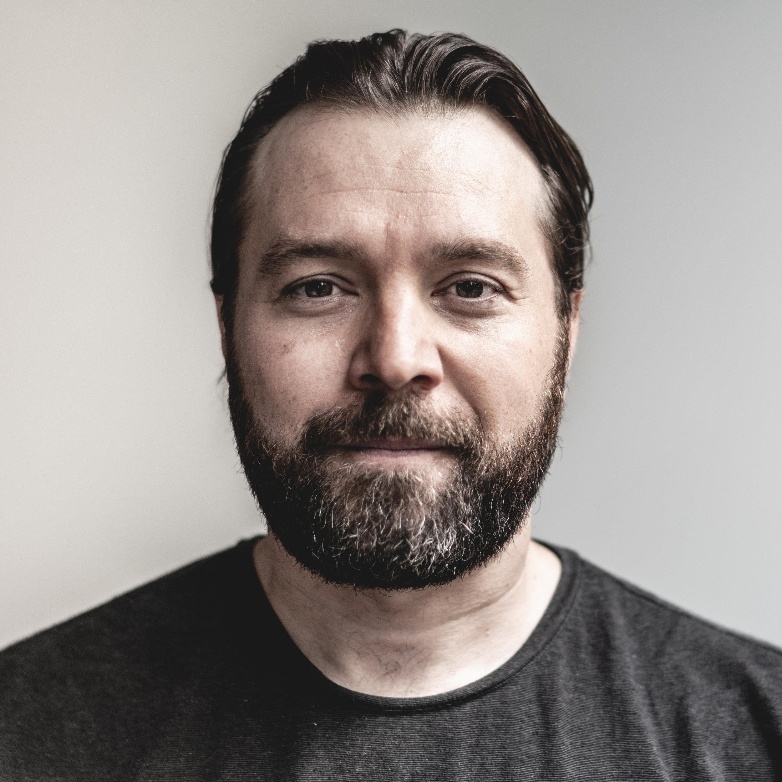 Donavan Richard - Marketing DirectorDirecteur Marketing