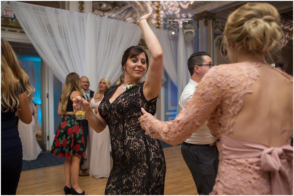 Calgary_Wedding_Photography_Fairmont_Palliser_2016_Blog_0082.jpg