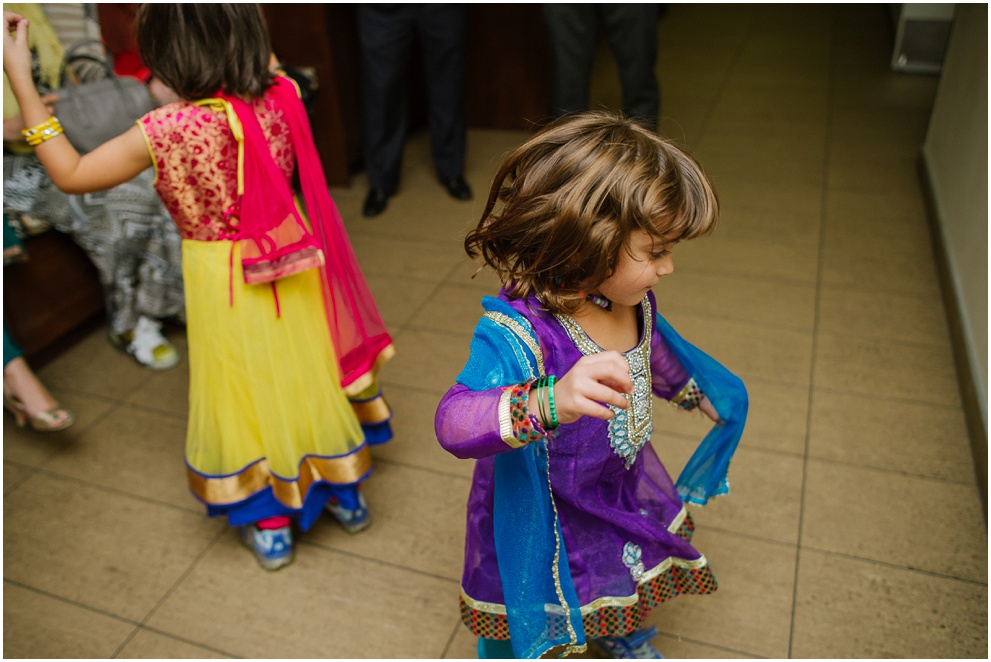 Calgary_Wedding_Photography_Mehndi_Ceremony_2017_Blog_0004.jpg