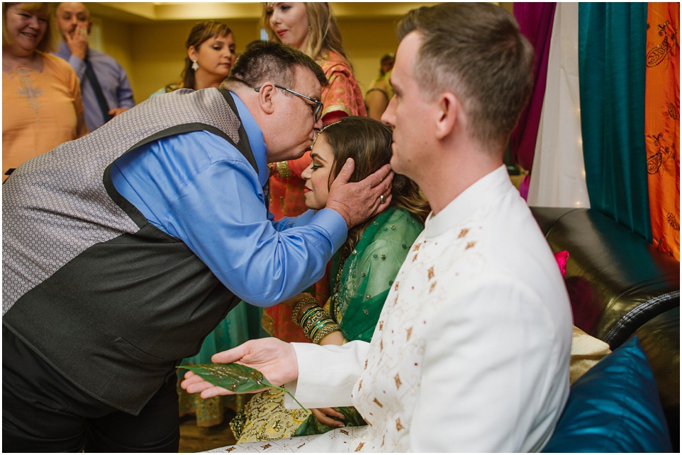 Calgary_Wedding_Photography_Mehndi_Ceremony_2017_Blog_0013.jpg