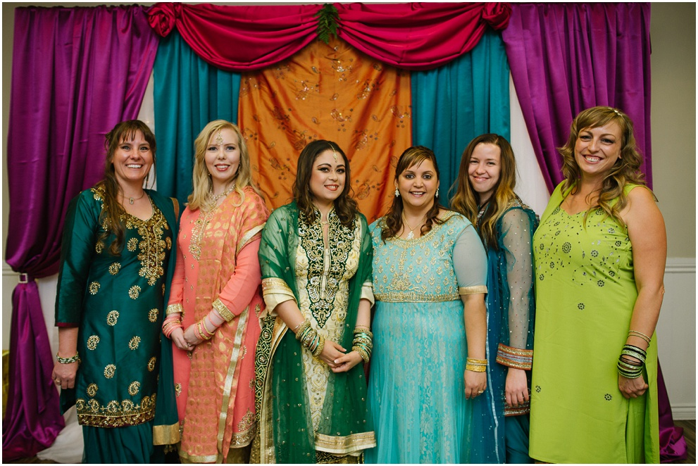 Calgary_Wedding_Photography_Mehndi_Ceremony_2017_Blog_0017.jpg