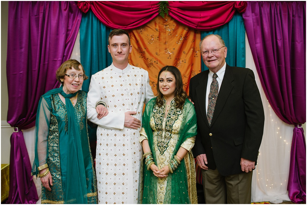 Calgary_Wedding_Photography_Mehndi_Ceremony_2017_Blog_0020.jpg