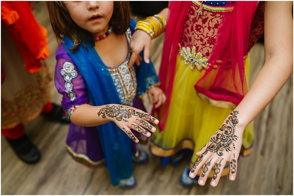 Calgary_Wedding_Photography_Mehndi_Ceremony_2017_Blog_0022.jpg