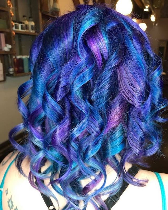 Here's @beckaliah head of #mermaid hair that she carefully sculpted last night! #wow #blue #green #aquamarine #pink #purple #shimmer #shine #shimmershine #curlyhair #styled #shine #davines #keune #iron #pulpriot #wins #loveyourhair #friyay #doit #love #pdx #pnw #portland #oregon #pdxhairstylist #pdxhair