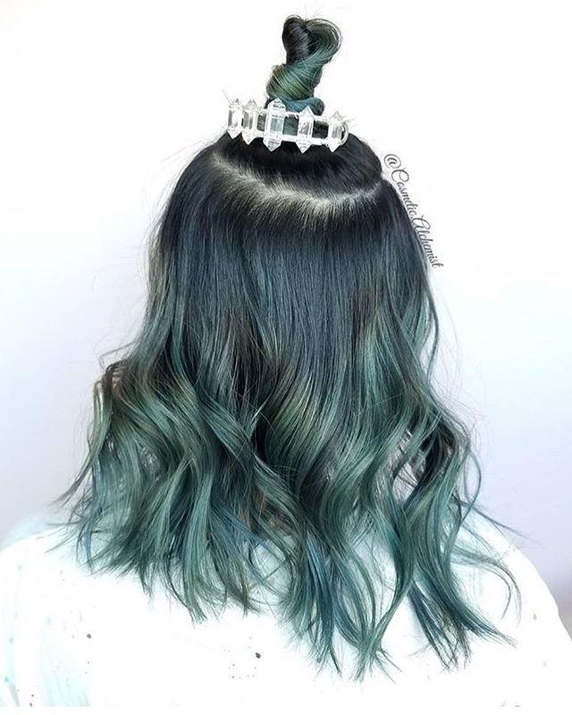 Here's one more ditty from @cosmetic.alchemist with her #buncuff obsession raging on. #beauty #mute #tone #ironedhair #curls #twist #crystals #pdx #pnw #portland #topbun #oohgurl #ootd #pdxhair #pdxhairstylist #friyay #loveyourhair #pdxsalon #top20 #hot #loveyourself