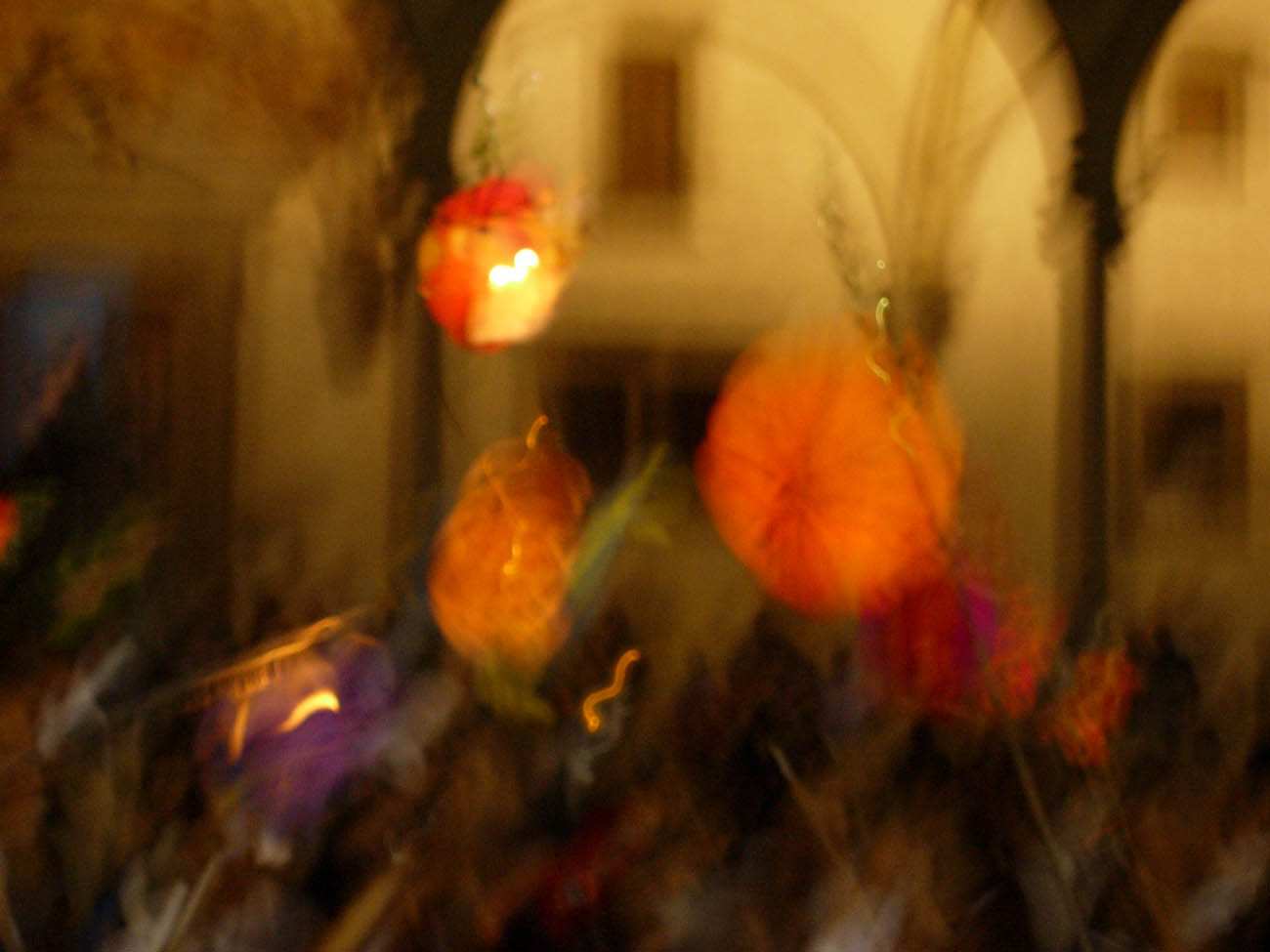 tuscan_lantern_fest_colors.jpg