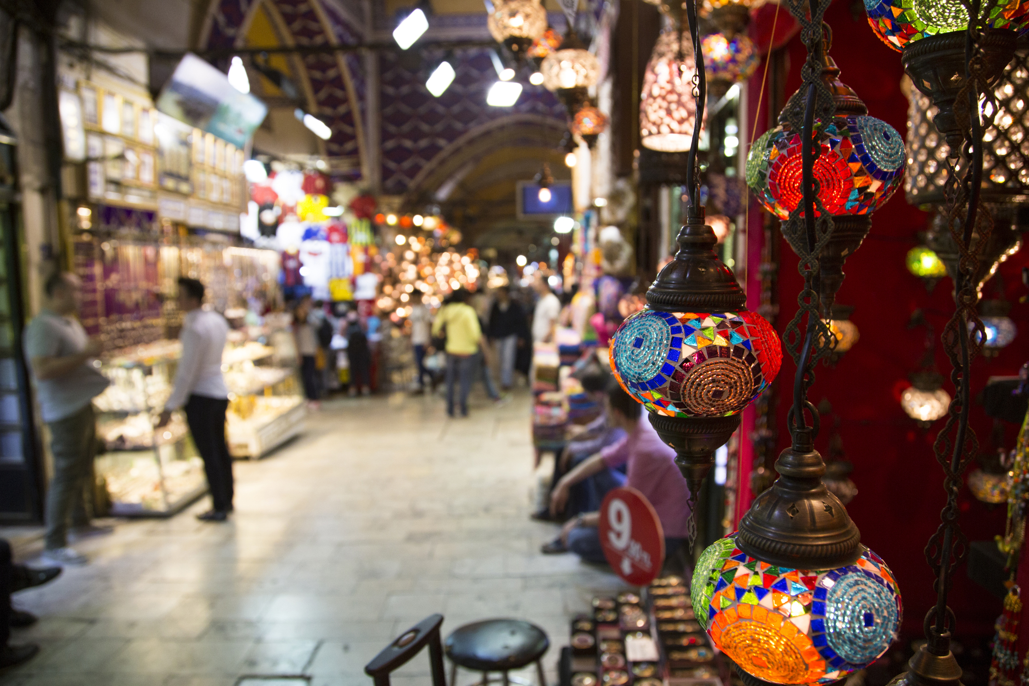 Getting Lost In Istanbul's Grand Bazaar (Kapalıçarşı) -