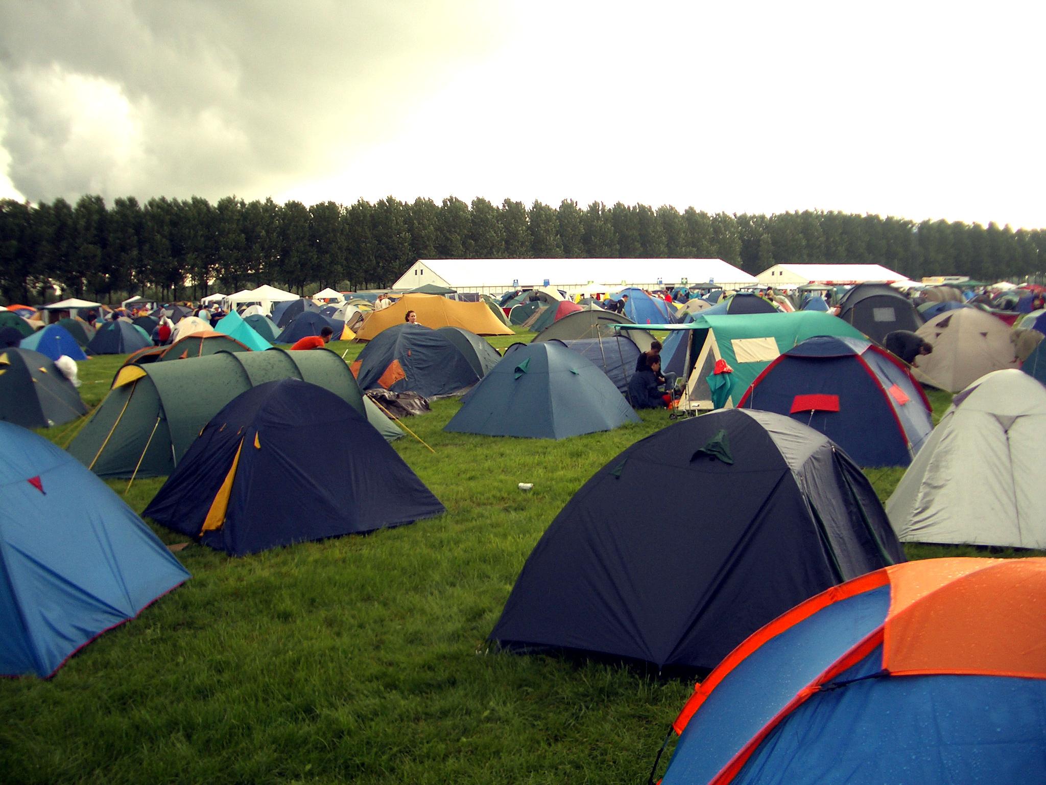 Lowlands_tents.jpg