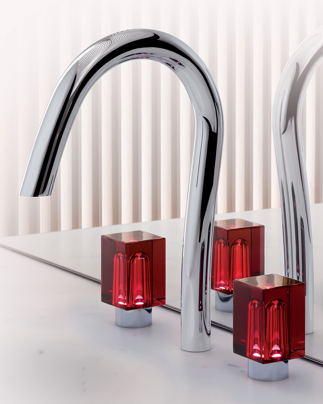 beyond_crystal_ambiance_151_chrome_rouge2.jpg