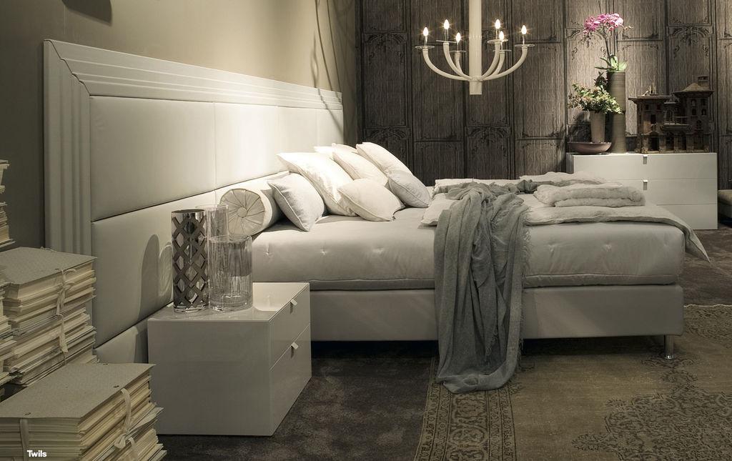 3_Кровать с кожанной панелью Boiserie Marlene Part Twils il Tempo Киев.jpg
