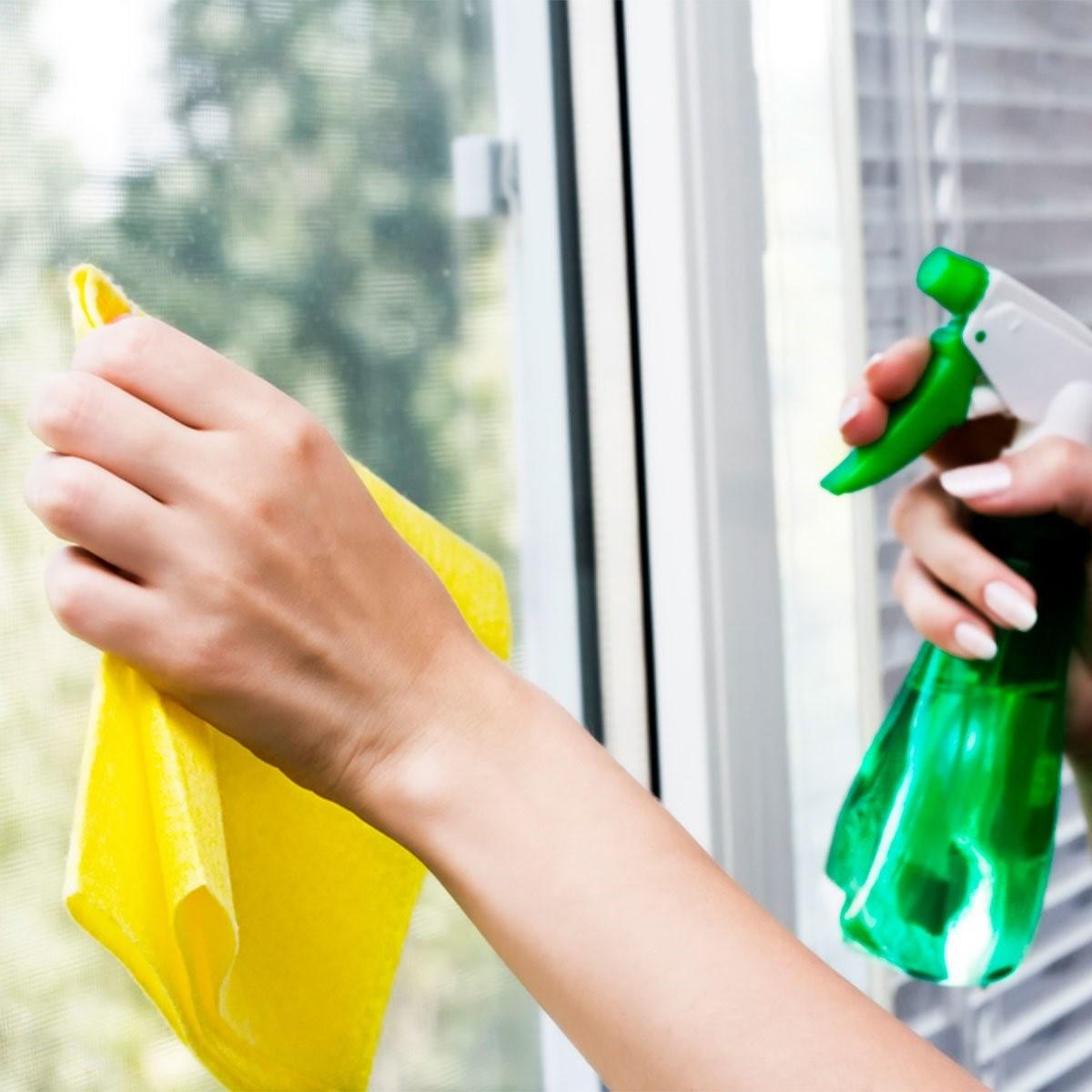 - Homemade Window CleanerSpray Bottle½ cup of white vinegar1 tbsp cornstarch2 cups of waterLemon essential oilGrapefruit essential oil