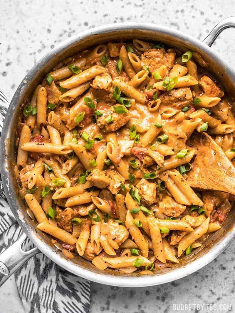 One Pot Creamy Cajun Chicken Pasta -