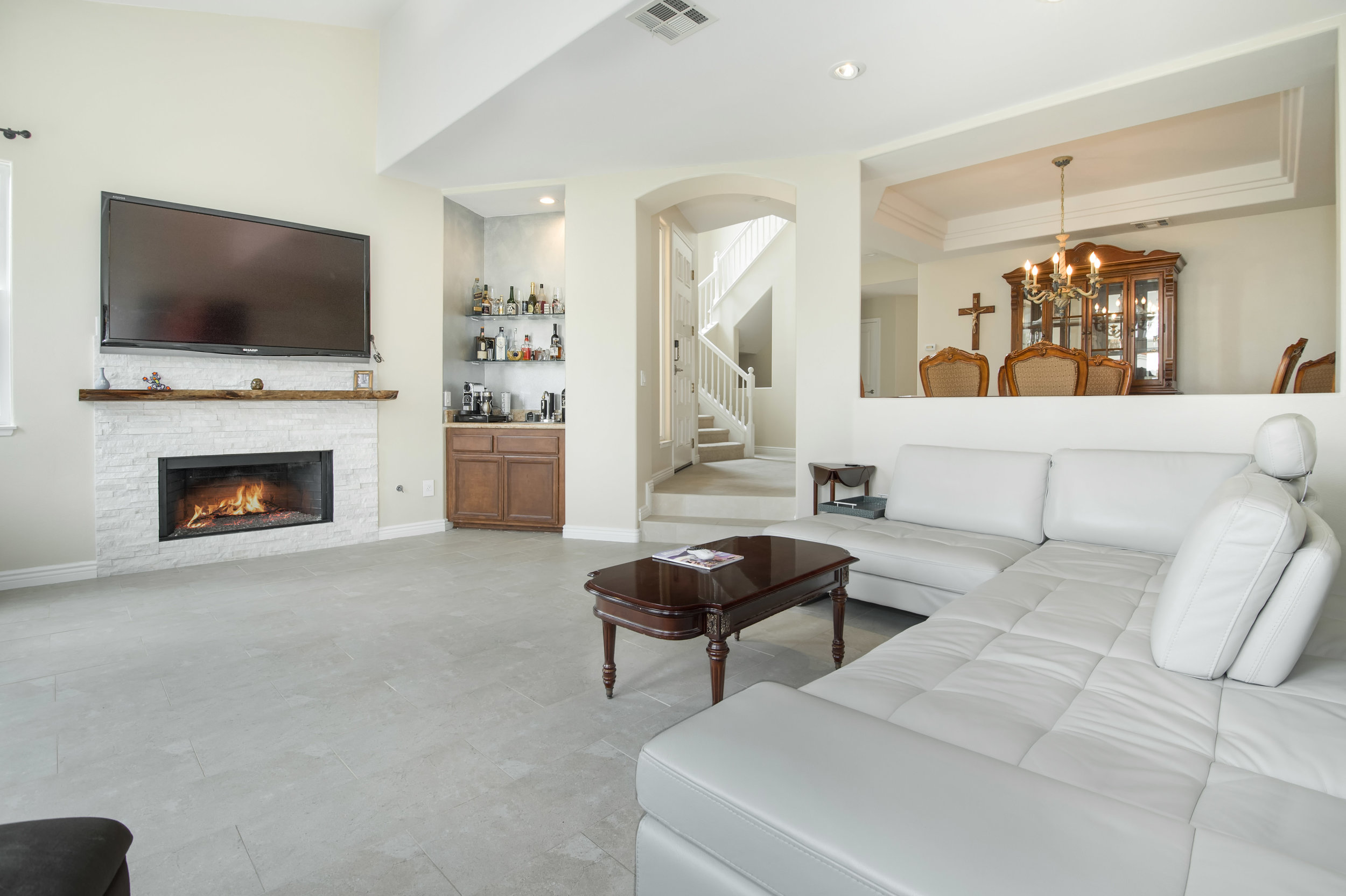 003 living room 3 6463 Zuma View Place Malibu For Sale The Malibu Life Team Luxury Real Estate.jpg
