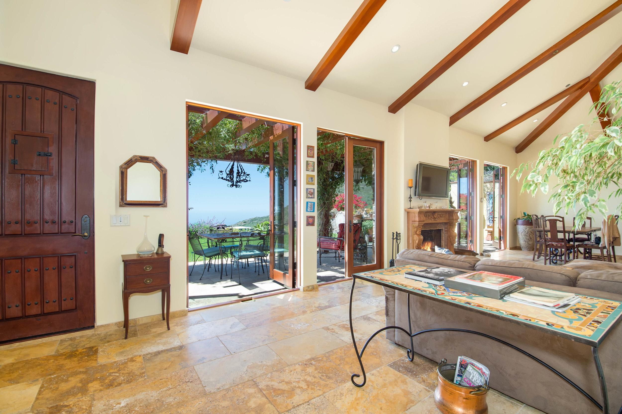 012 Living Room 26303 Lockwood Road Malibu For Sale Lease The Malibu Life Team Luxury Real Estate.jpg