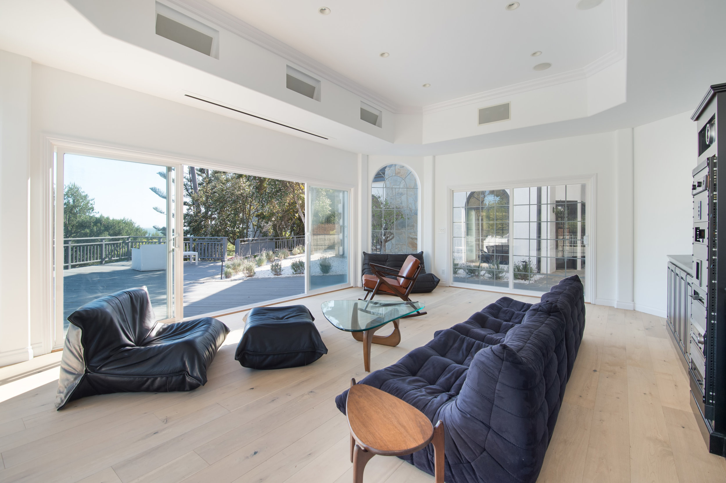 021 guest house 30340 Morning View Malibu For Sale The Malibu Life Team Luxury Real Estate.jpg