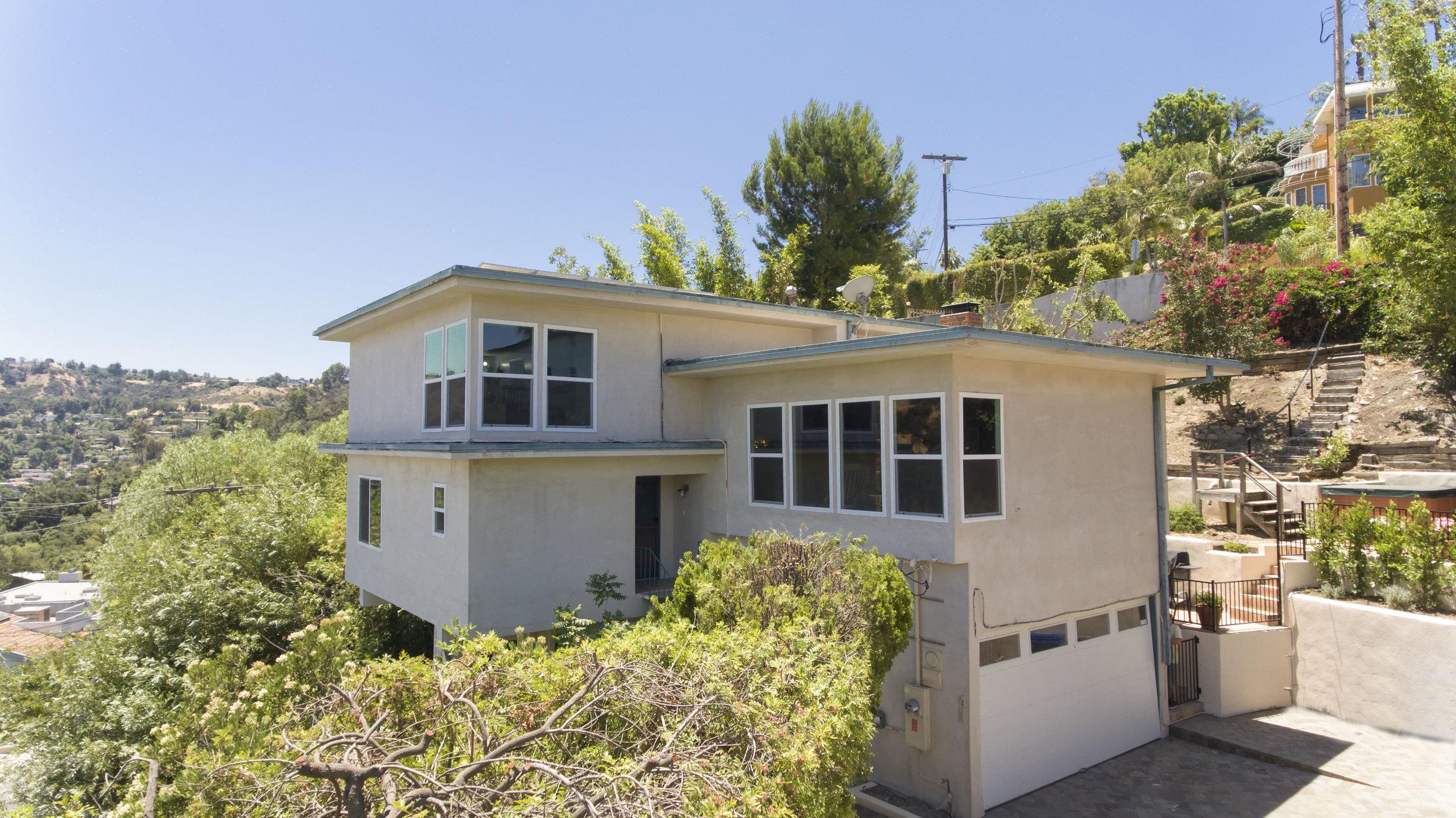 001 Exterior 15072 Rayneta Sherman Oaks For Sale The Malibu Life Team Luxury Real Estate.jpg