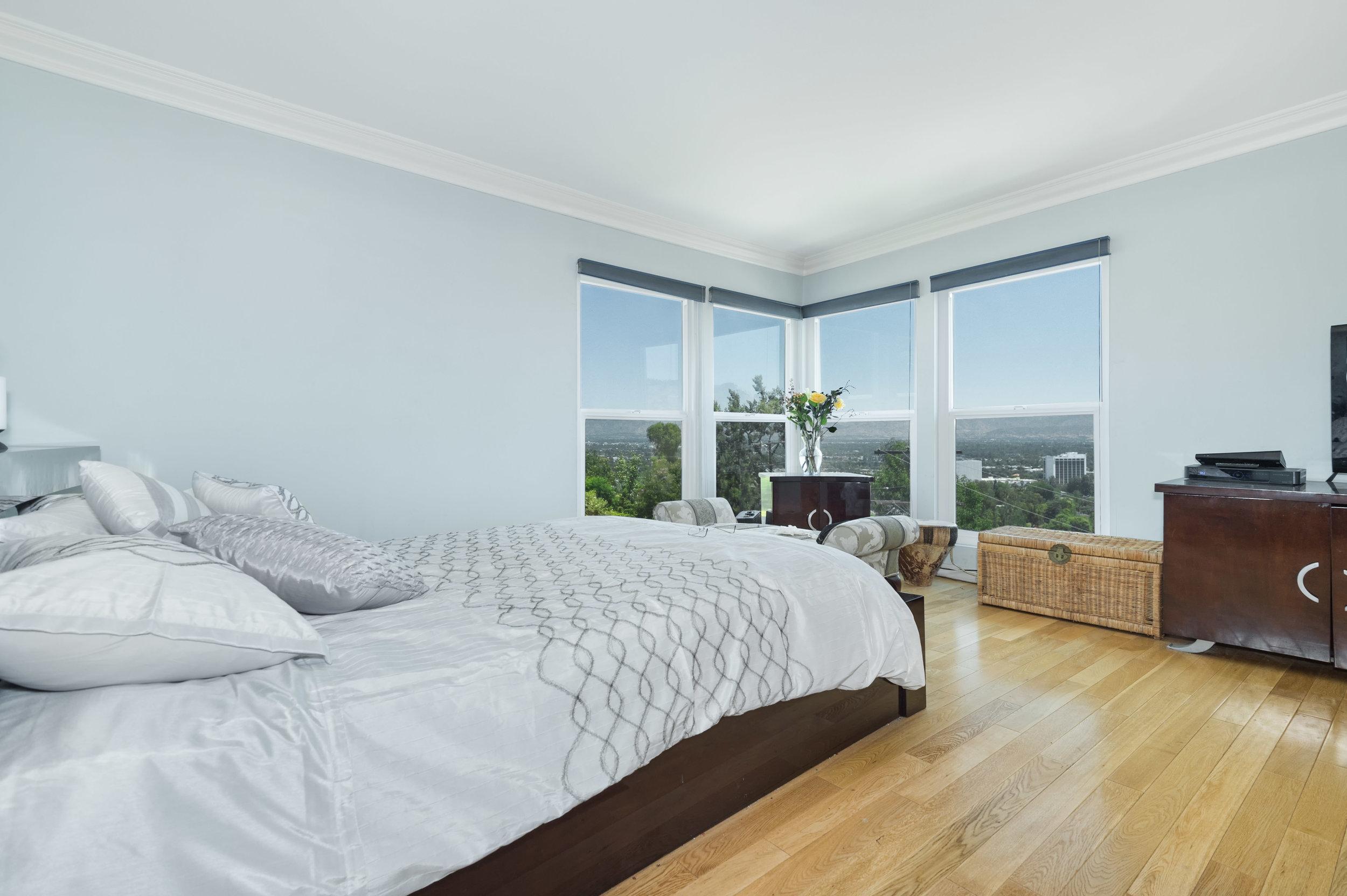 002 Master Bedroom 15072 Rayneta Sherman Oaks For Sale The Malibu Life Team Luxury Real Estate.jpg