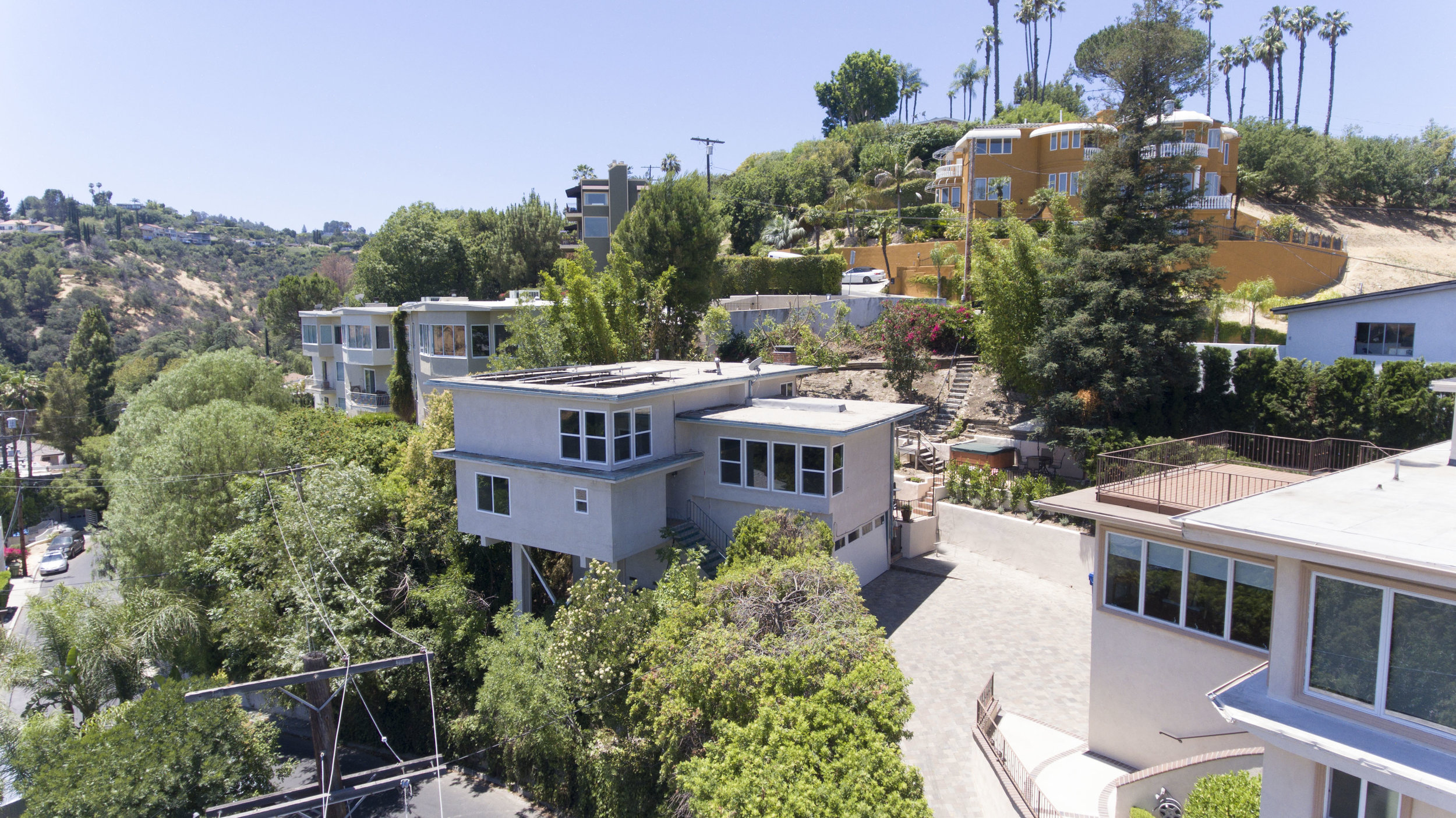 025 View 15072 Rayneta Sherman Oaks For Sale The Malibu Life Team Luxury Real Estate.jpg