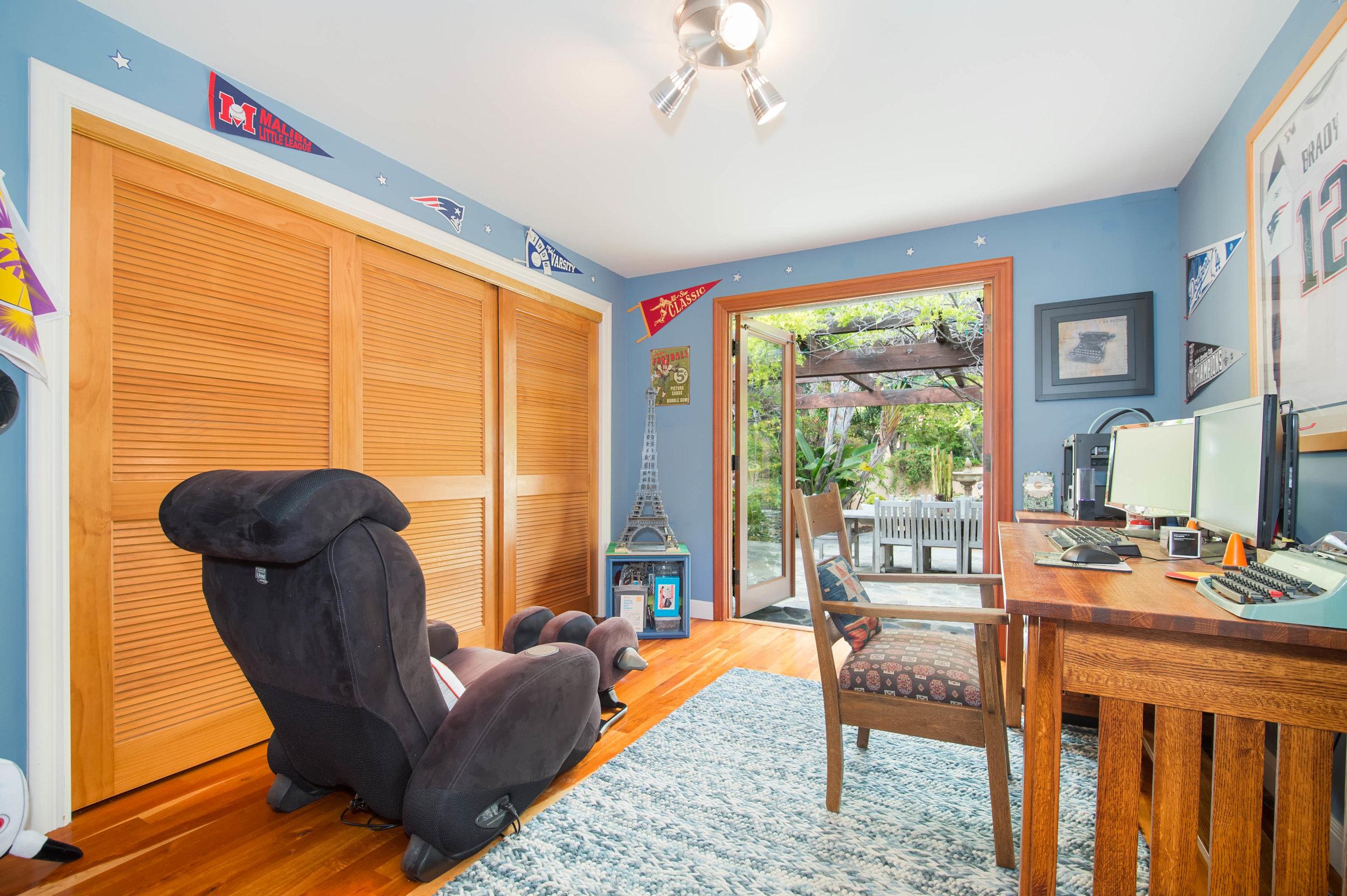 021 bedroom 29660 Harvester Road Malibu For Sale The Malibu Life Team Luxury Real Estate.jpg
