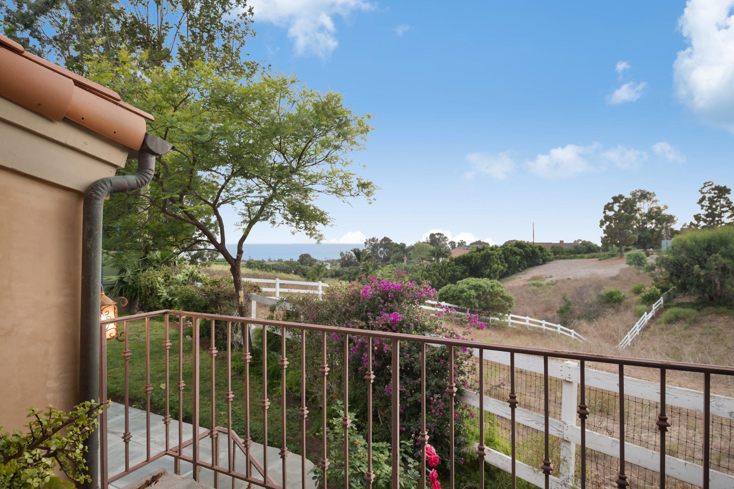 024 guest house 29660 Harvester Road Malibu For Sale The Malibu Life Team Luxury Real Estate.jpg
