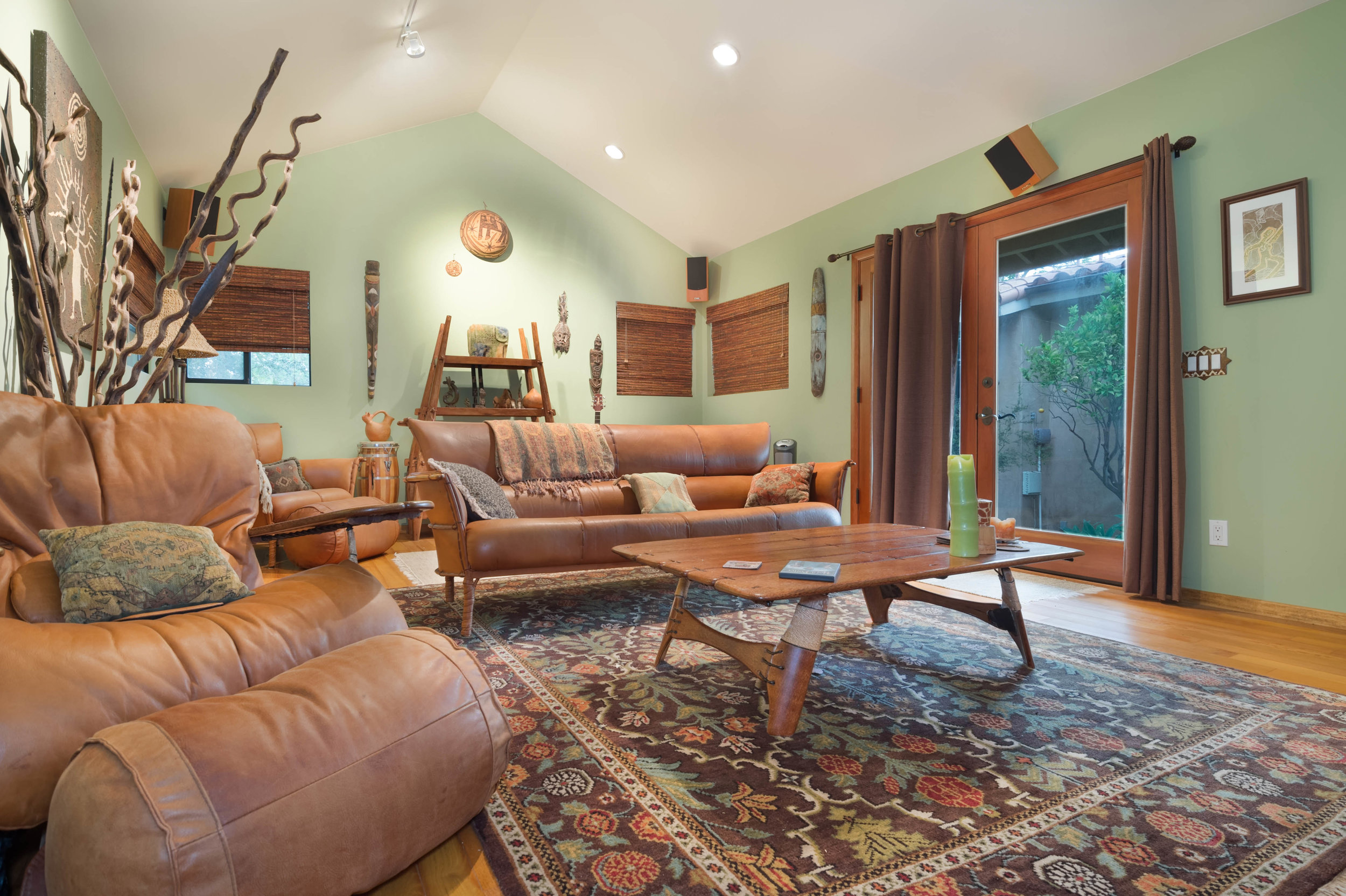 027 guest house 29660 Harvester Road Malibu For Sale The Malibu Life Team Luxury Real Estate.jpg