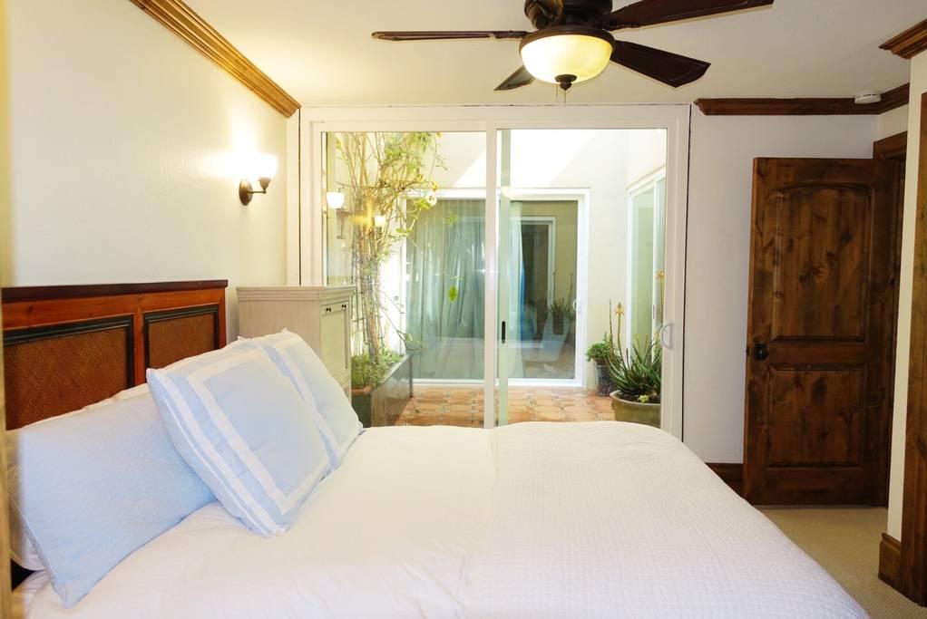 012 GUEST BEDROOM 1.jpg