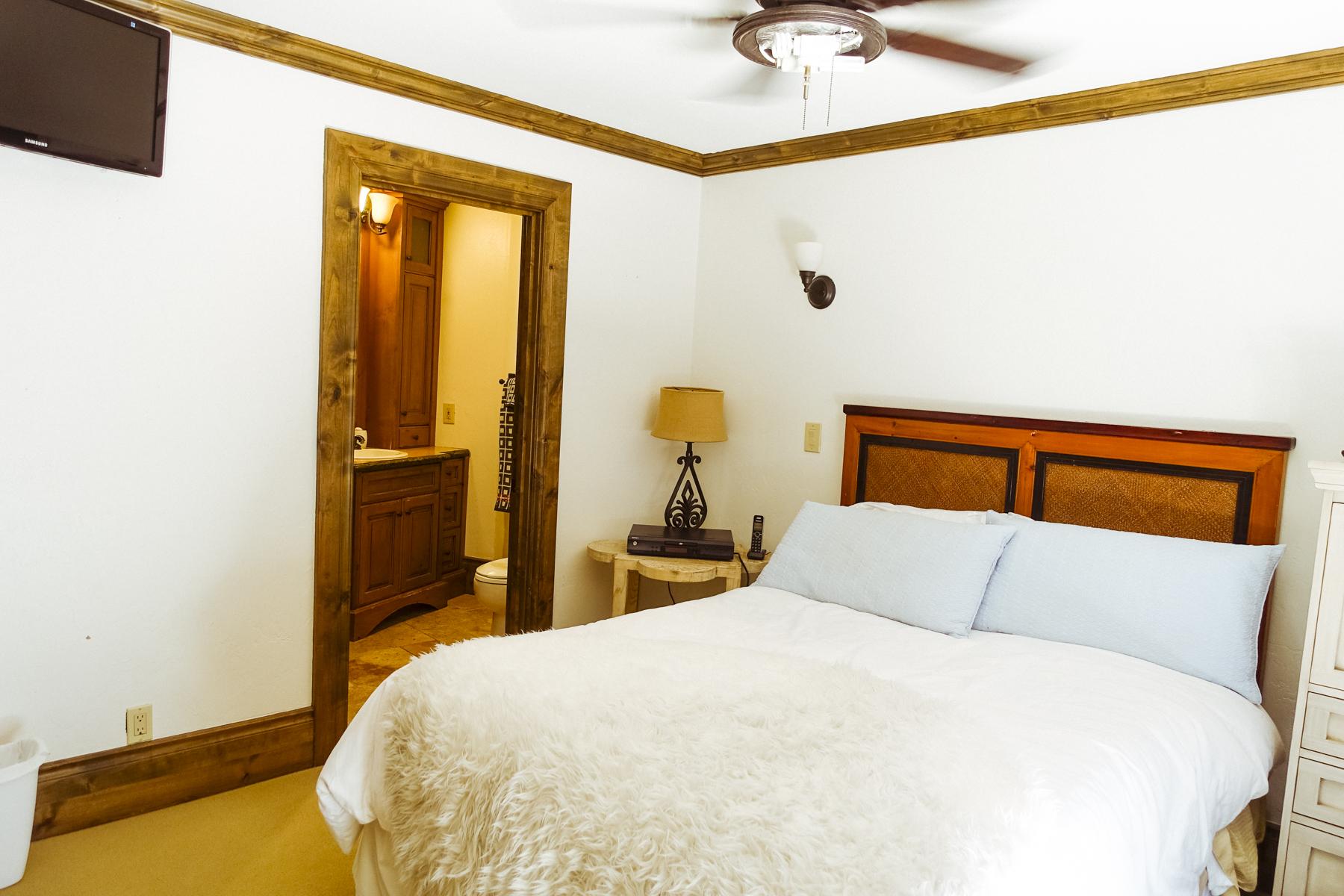011 GUEST BEDROOM 2.jpg