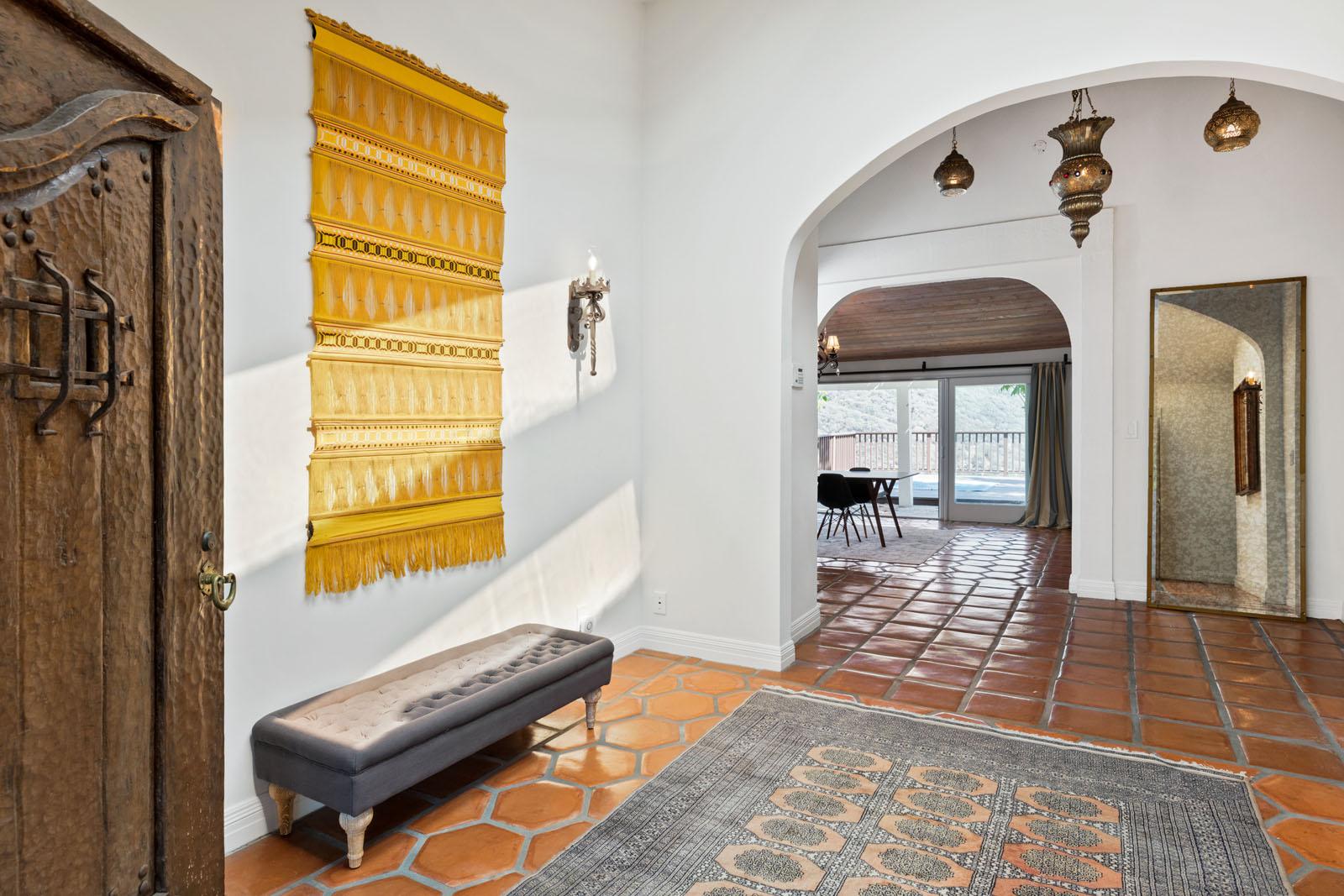 002 Entry 1712 Manzanita Park Avenue Malibu For Sale Lease The Malibu Life Team Luxury Real Estate.jpg
