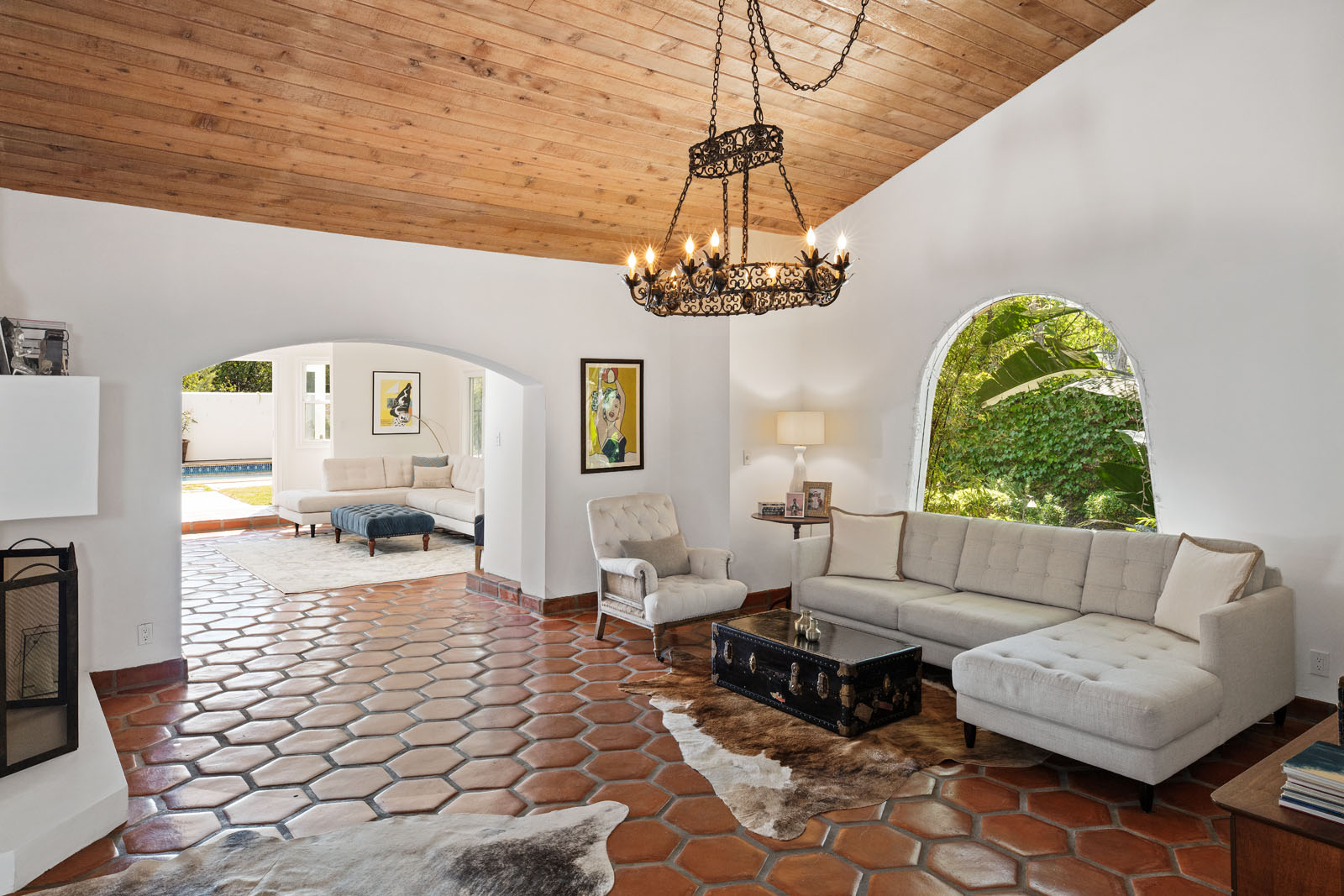 003 Living Room 1712 Manzanita Park Avenue Malibu For Sale Lease The Malibu Life Team Luxury Real Estate.jpg