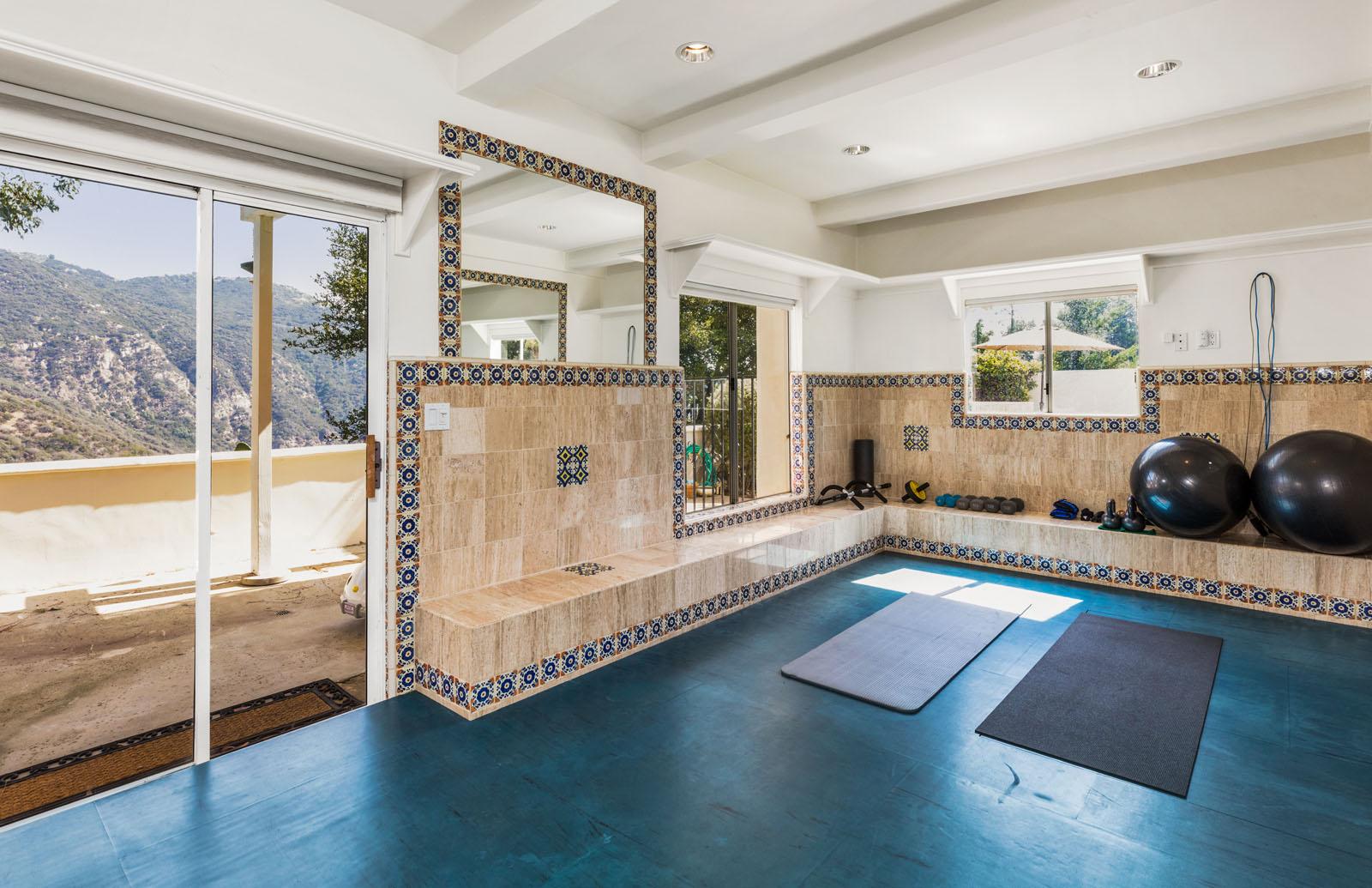 023 Yoga Room 1712 Manzanita Park Avenue Malibu For Sale Lease The Malibu Life Team Luxury Real Estate.jpg