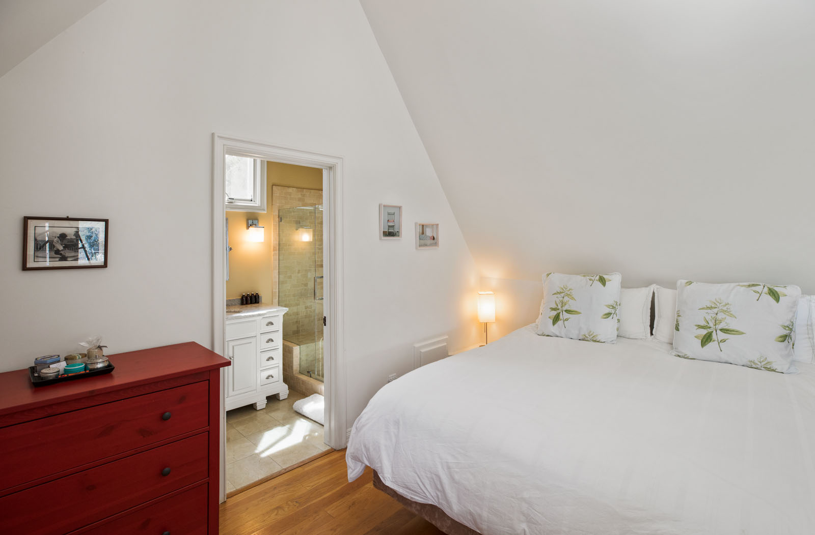027 Loft Bedroom 1712 Manzanita Park Avenue Malibu For Sale Lease The Malibu Life Team Luxury Real Estate.jpg