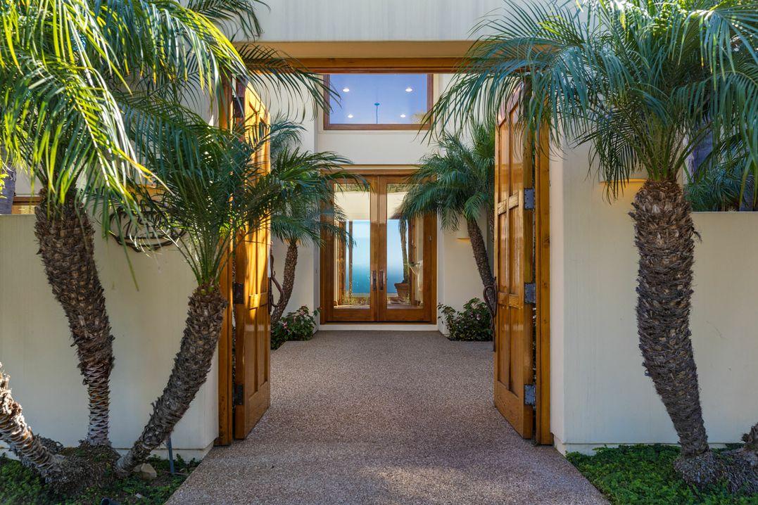 007_door_27475_Latigo_Bay_View_Drive_Malibu_For_Sale_Lease_The_Malibu_Life_Team_Luxury_Real_Estate.j.jpg
