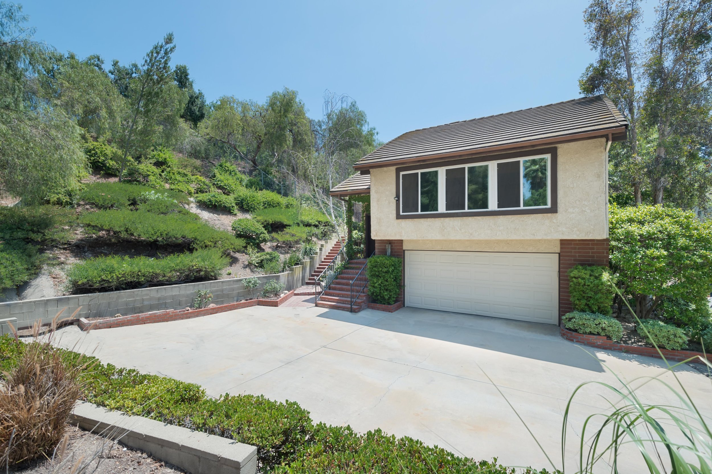 001 front 8832 Moorcroft Avenue West Hills For Sale Lease The Malibu Life Team Luxury Real Estate.jpg