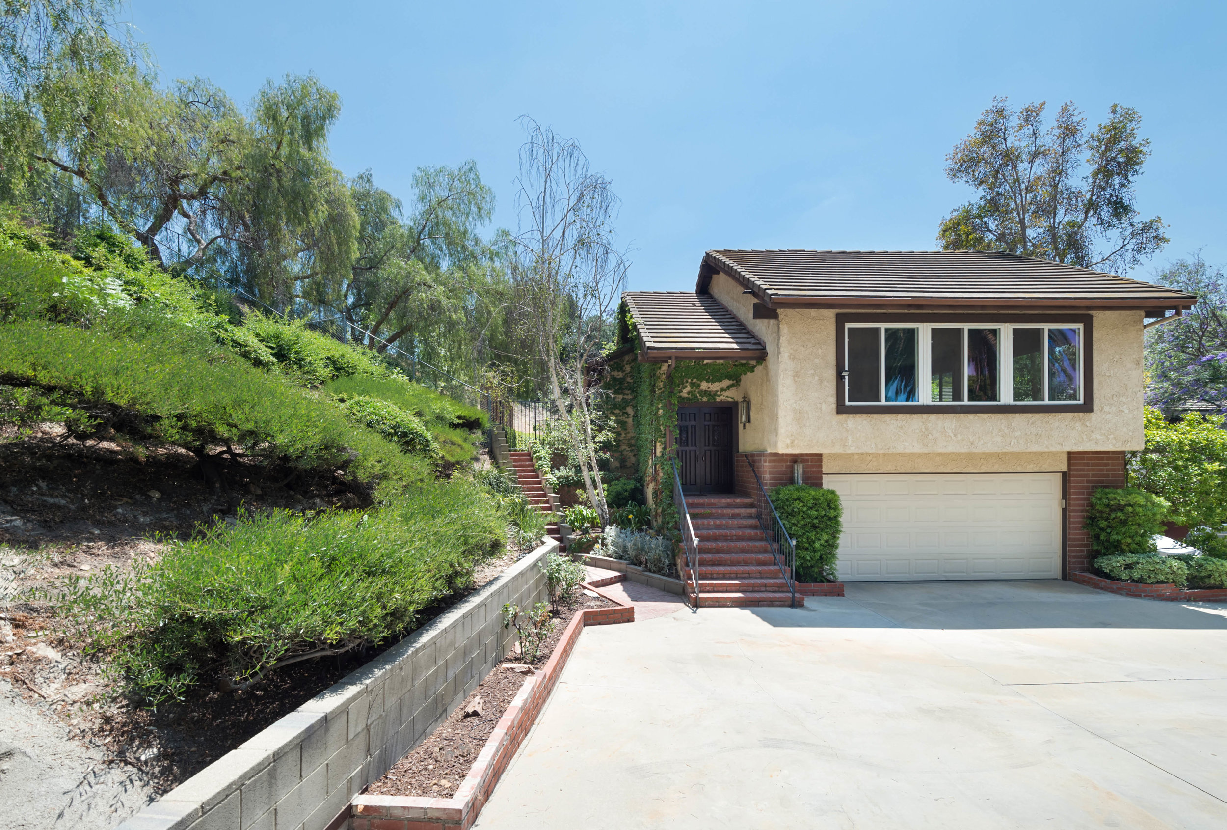 007 front 8832 Moorcroft Avenue West Hills For Sale Lease The Malibu Life Team Luxury Real Estate.jpg