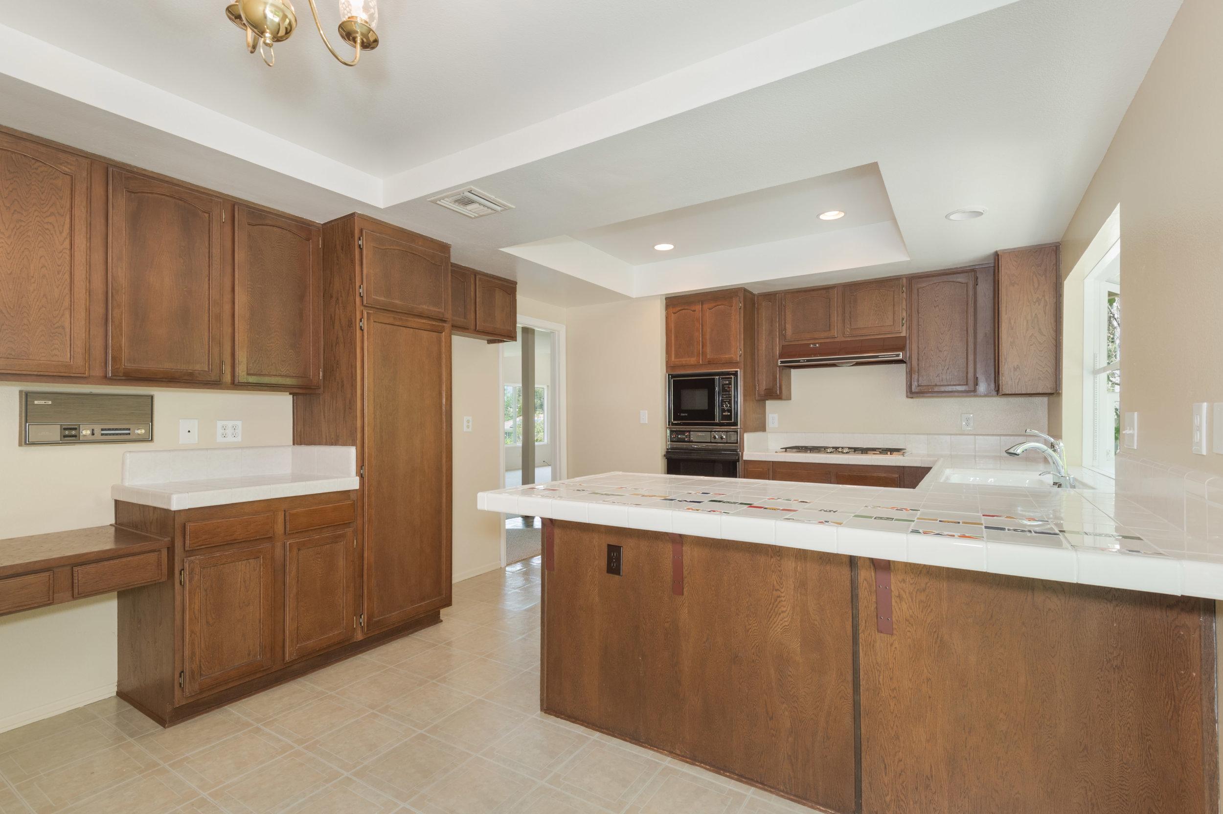 011 kitchen 8832 Moorcroft Avenue West Hills For Sale Lease The Malibu Life Team Luxury Real Estate.jpg