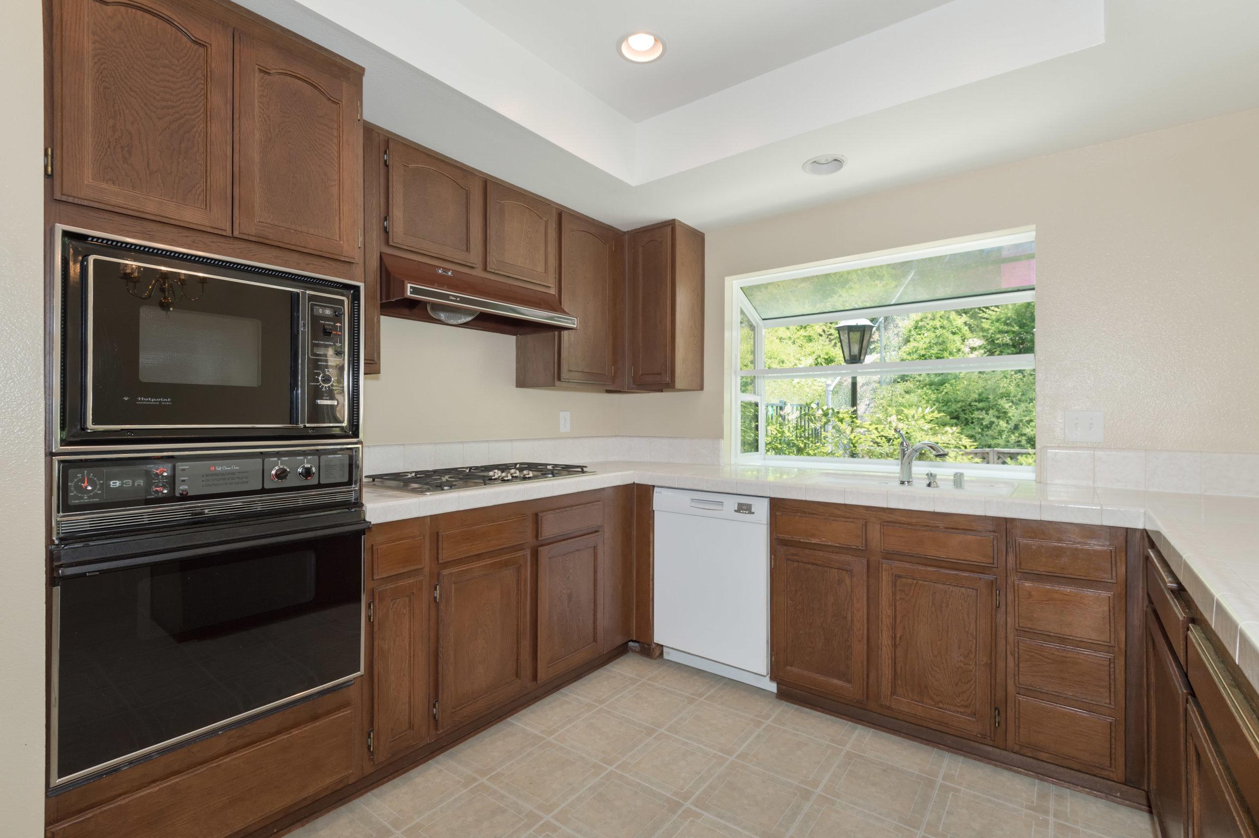 012 kitchen 8832 Moorcroft Avenue West Hills For Sale Lease The Malibu Life Team Luxury Real Estate.jpg