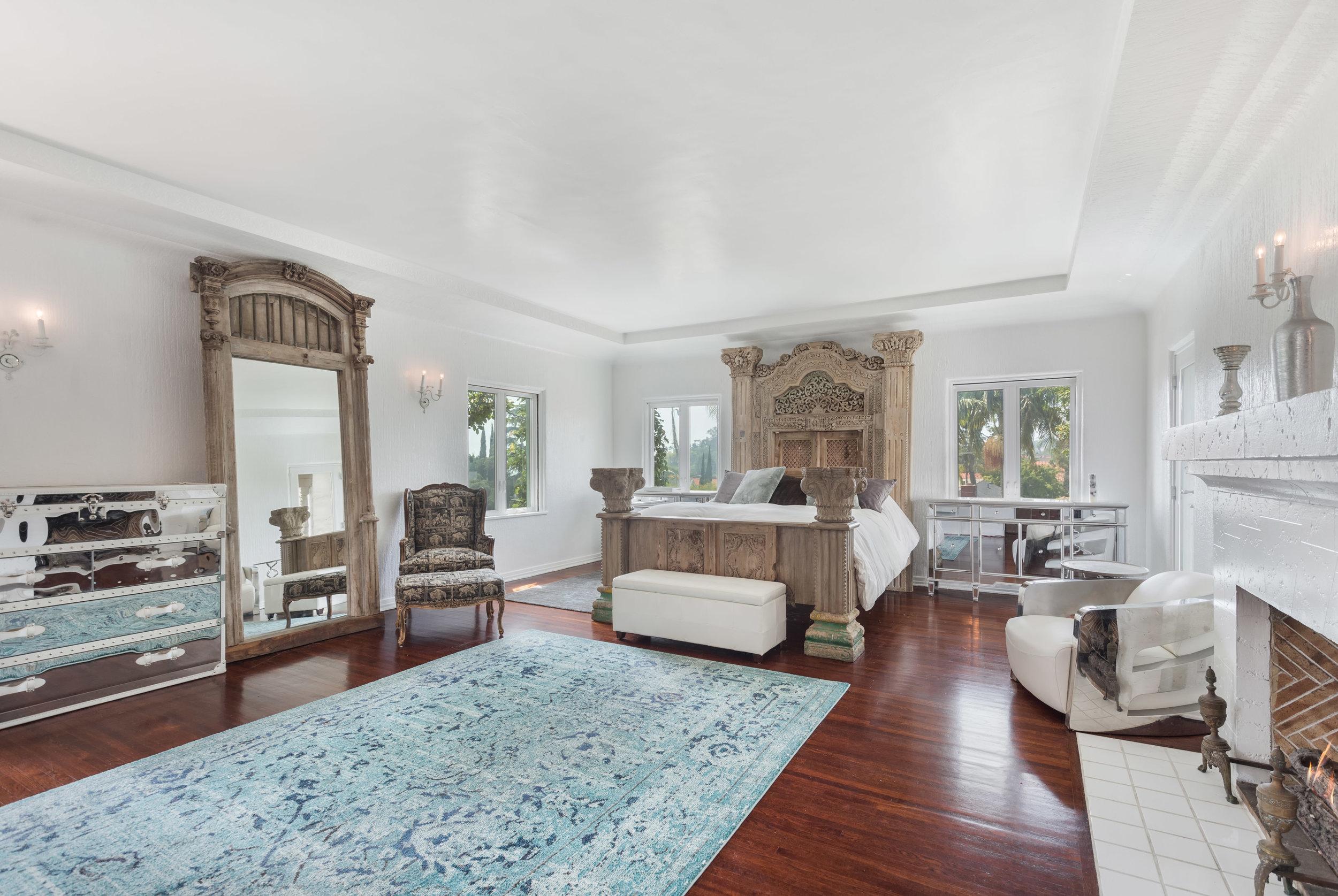 013 Master Bedroom 006 Pool 4915 Los Feliz For Sale Los Angeles Lease The Malibu Life Team Luxury Real Estate.jpg