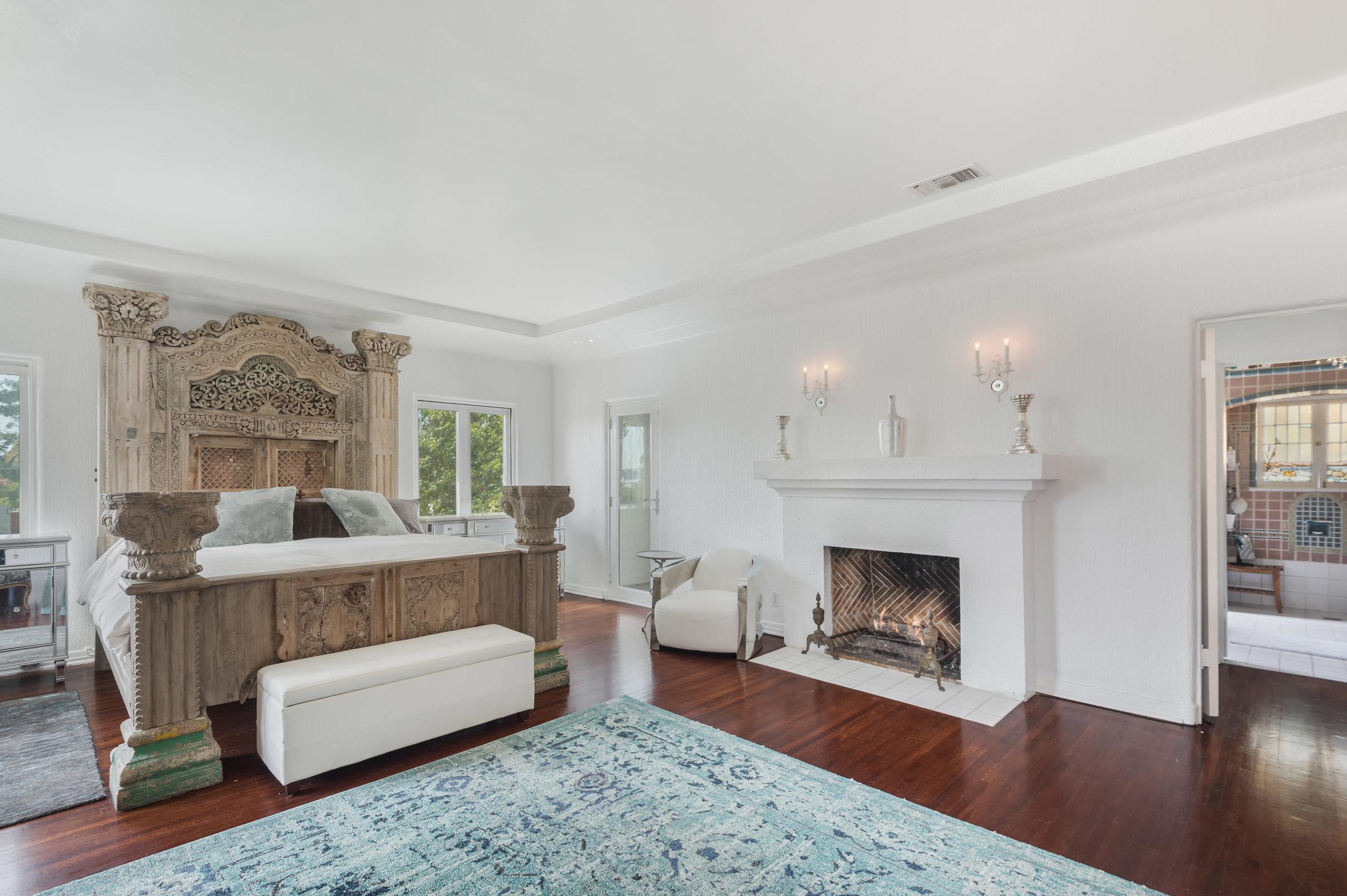 014 Master Bedroom 006 Pool 4915 Los Feliz For Sale Los Angeles Lease The Malibu Life Team Luxury Real Estate.jpg