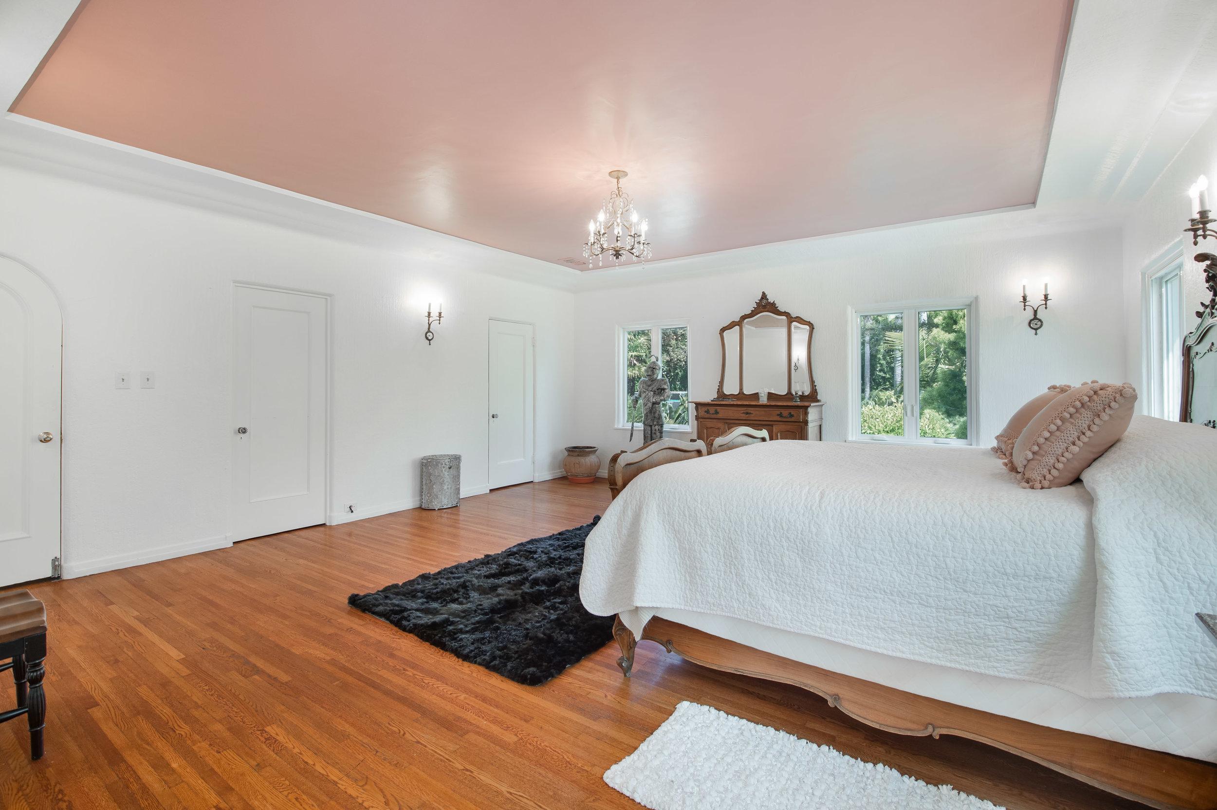 017 Bedroom 006 Pool 4915 Los Feliz For Sale Los Angeles Lease The Malibu Life Team Luxury Real Estate.jpg