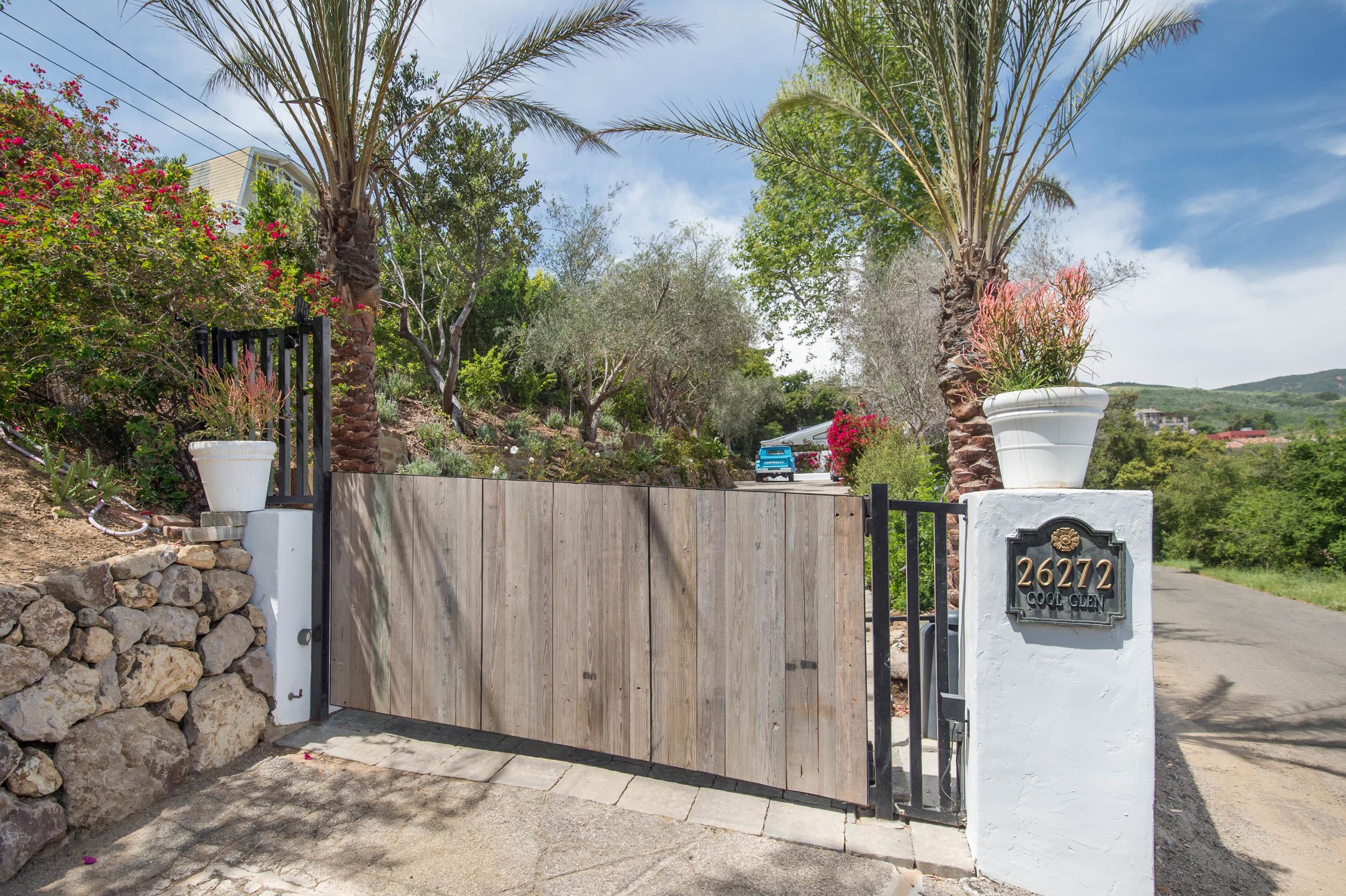 006 Gate 26272 Cool Glen Way Malibu For Sale Luxury Real Estate.jpg