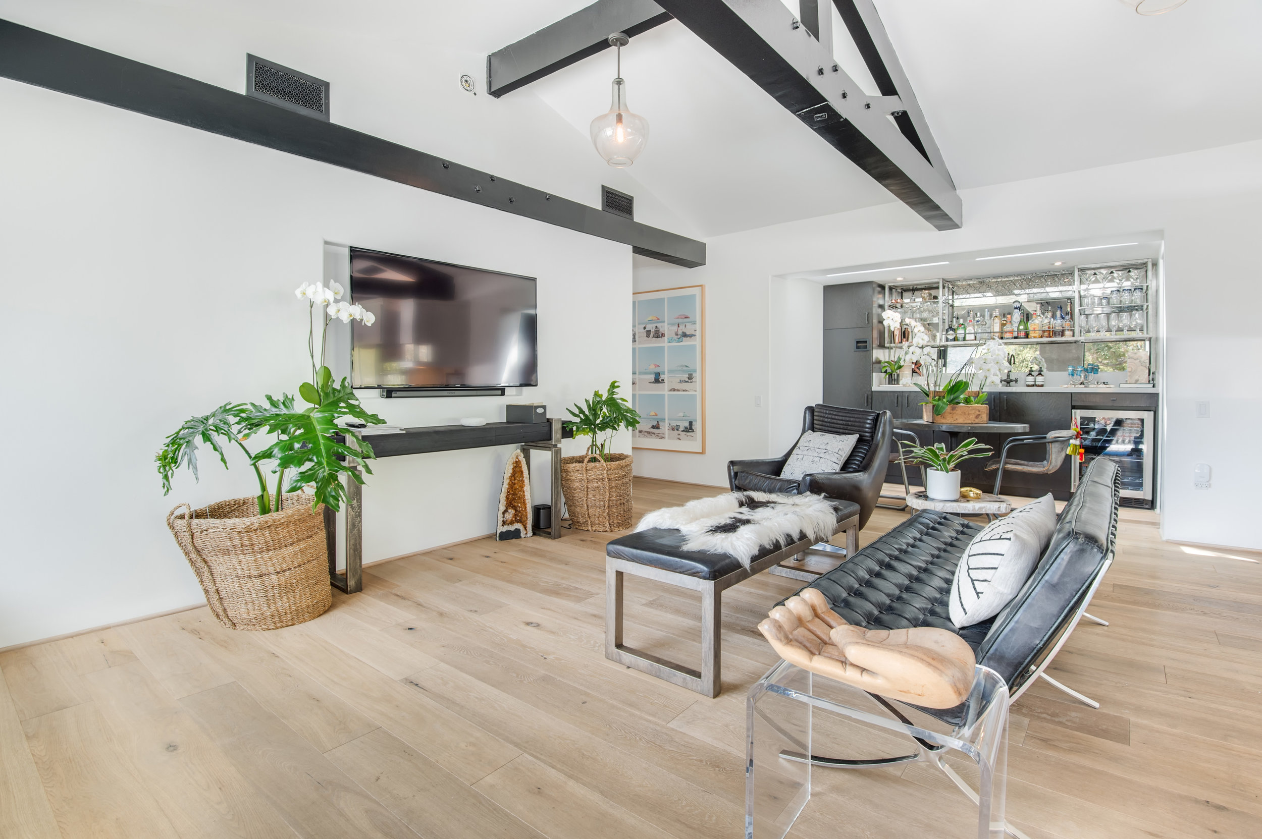 010 Living Room 26272 Cool Glen Way Malibu For Sale Luxury Real Estate.jpg