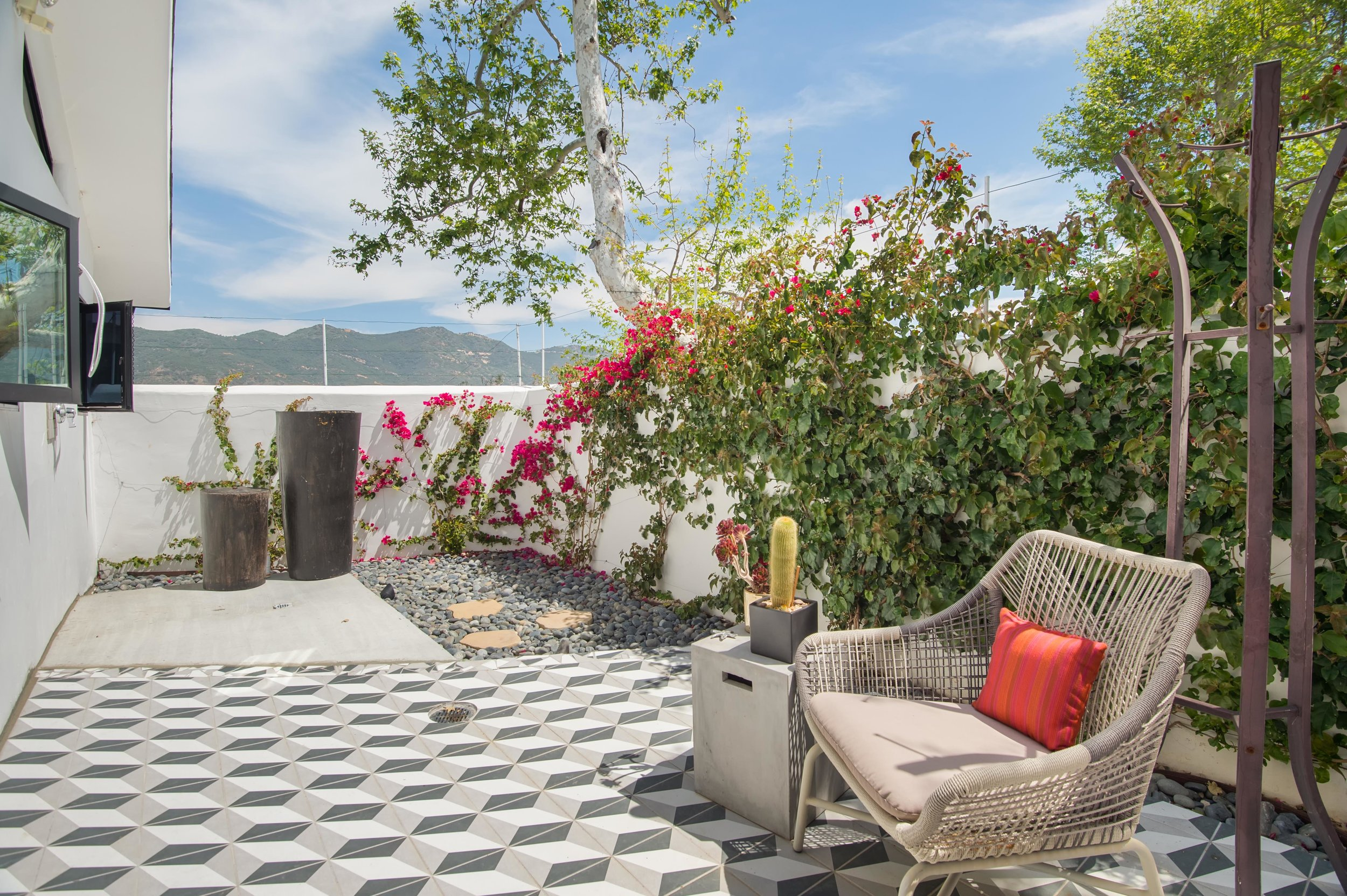022 Patio 26272 Cool Glen Way Malibu For Sale Luxury Real Estate.jpg