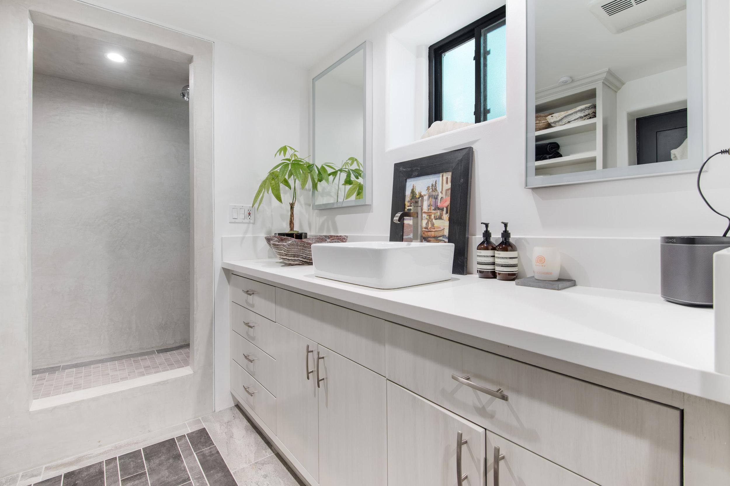 026 Bathroom 26272 Cool Glen Way Malibu For Sale Luxury Real Estate.jpg
