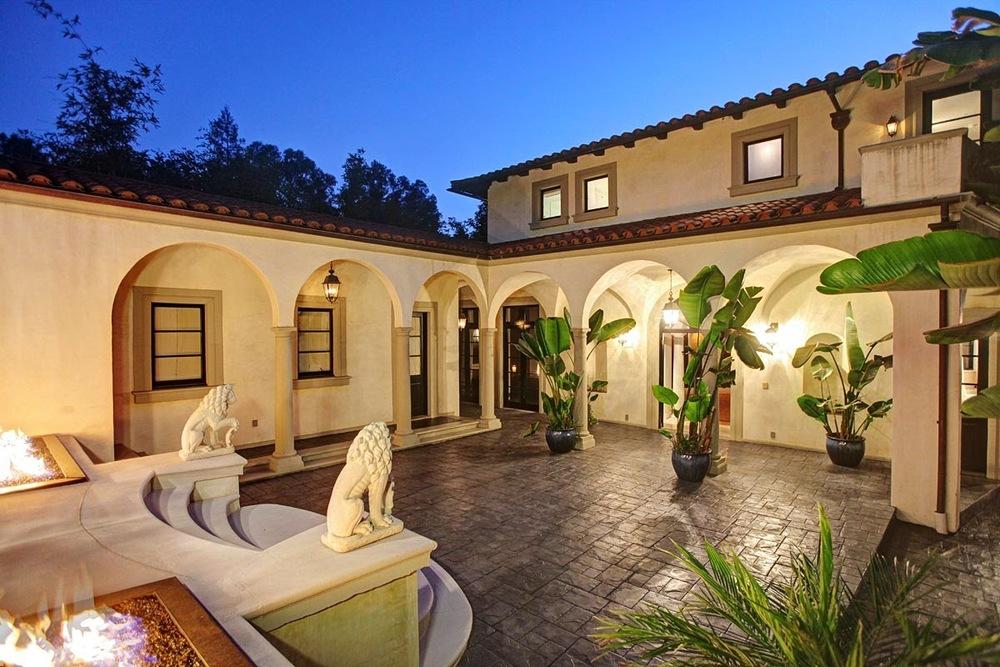 $6,290,000   2703 Nichols Canyon Rd, Hollywood Hills