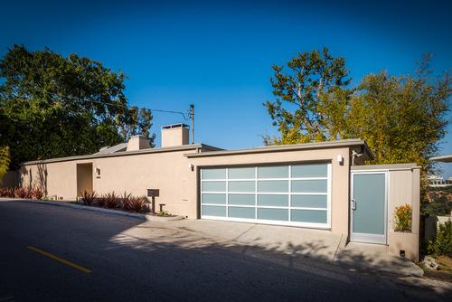 $1,900,000   1010 N Tigertail Rd, Los Angeles
